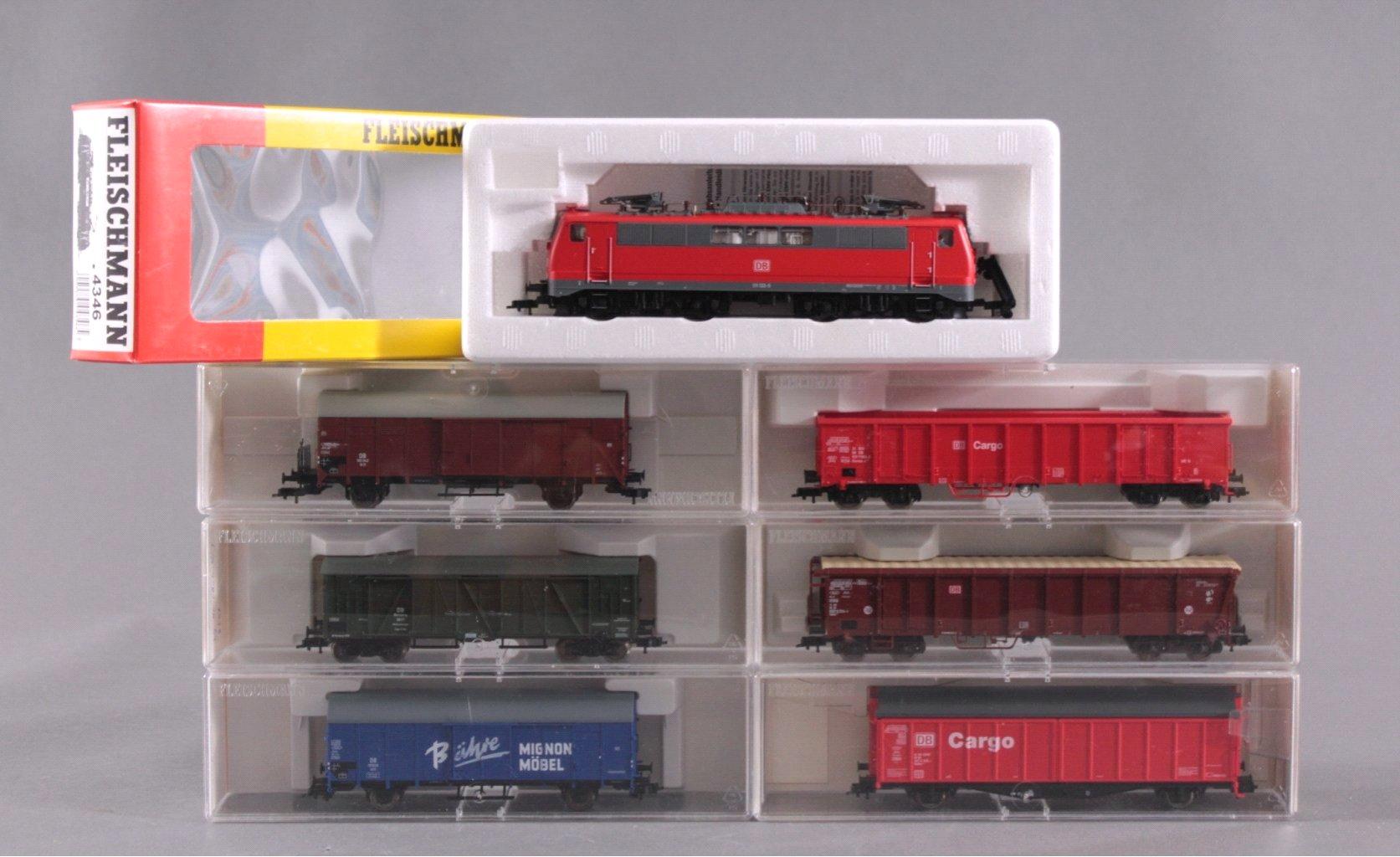 Fleischmann E-Lock 4215 Spur H0 und 6 Güterwaggons