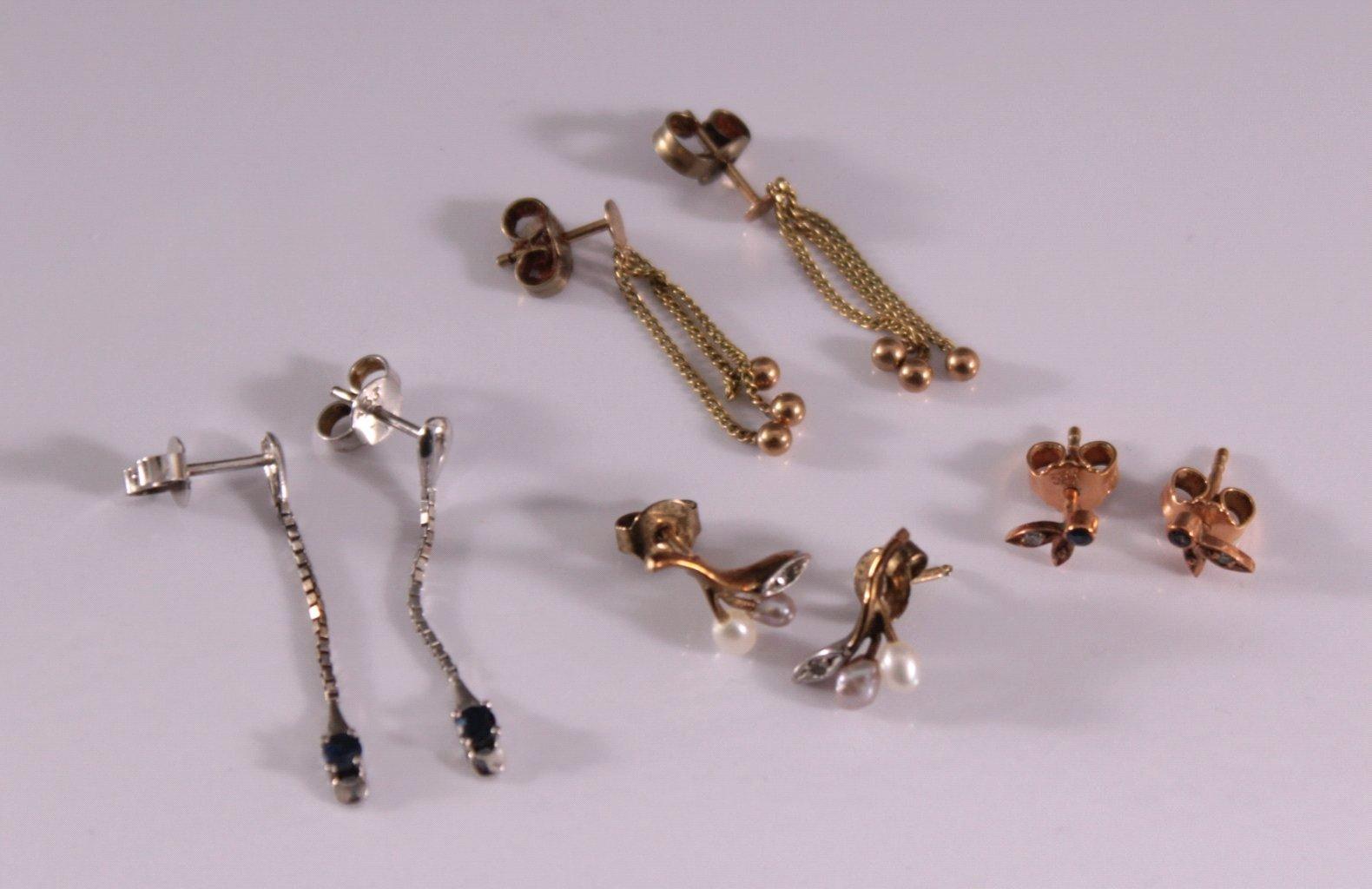 4 Paar Ohrringe mit Perlen, Diamanten und Saphierbesatz