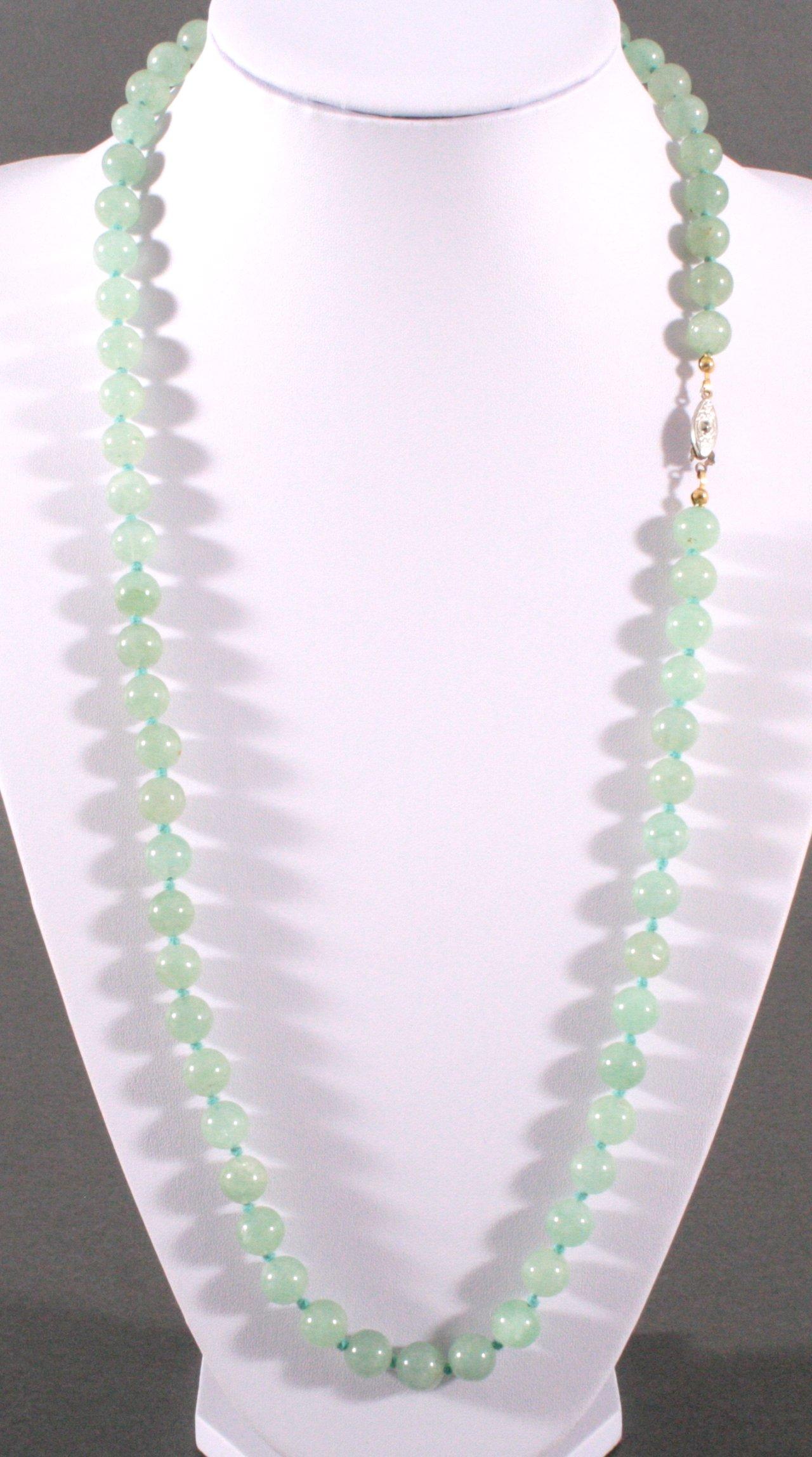 Jade Halskette