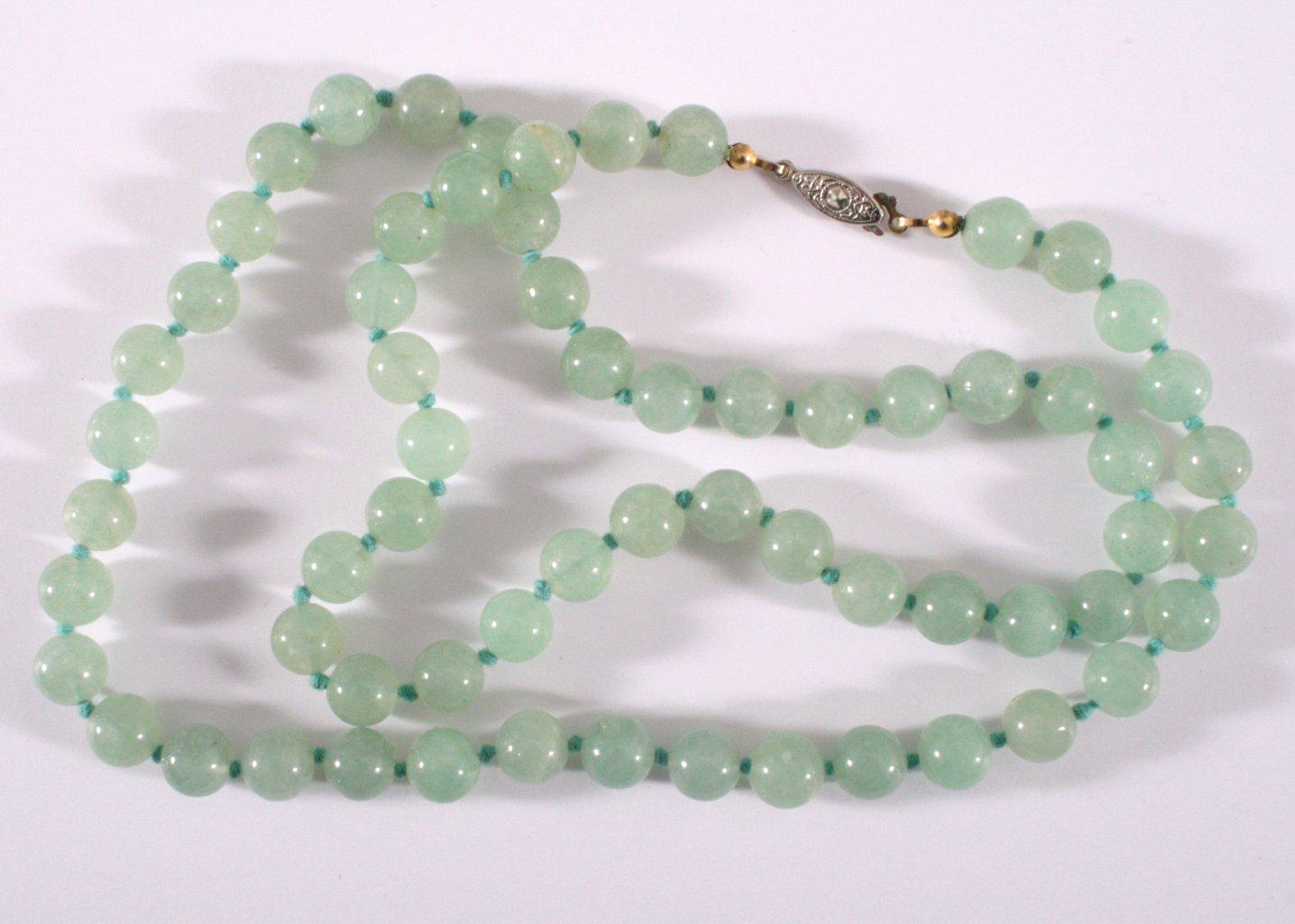 Jade Halskette-1