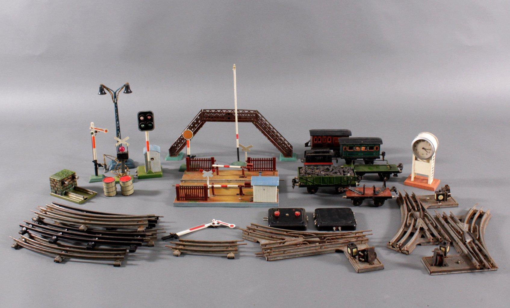 Antike Märklin Eisenbahn und Zubehör