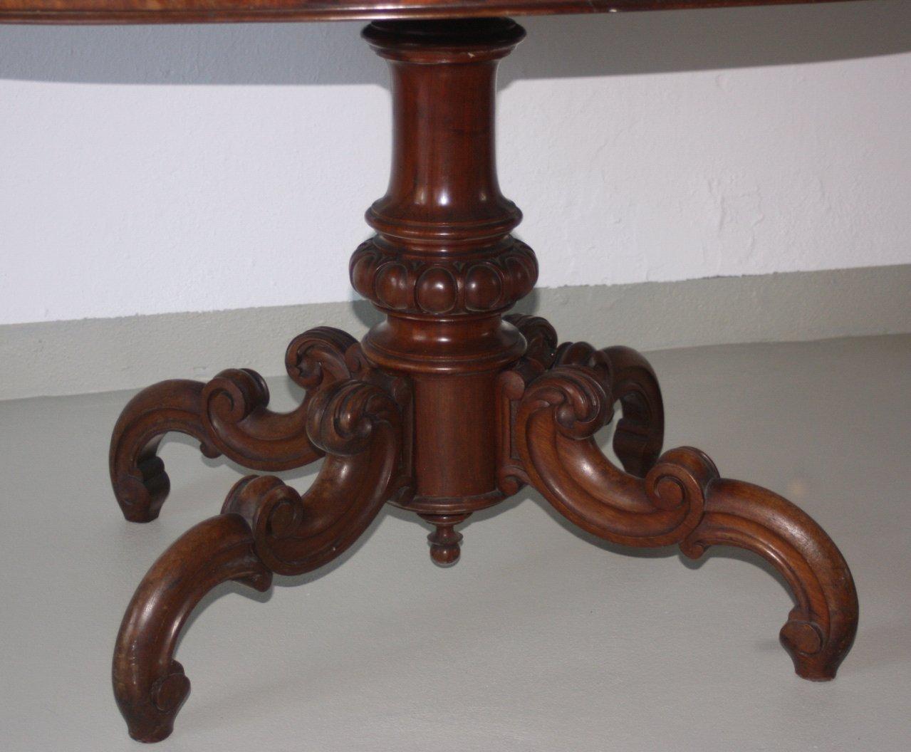 Gründerzeit-Tisch-2