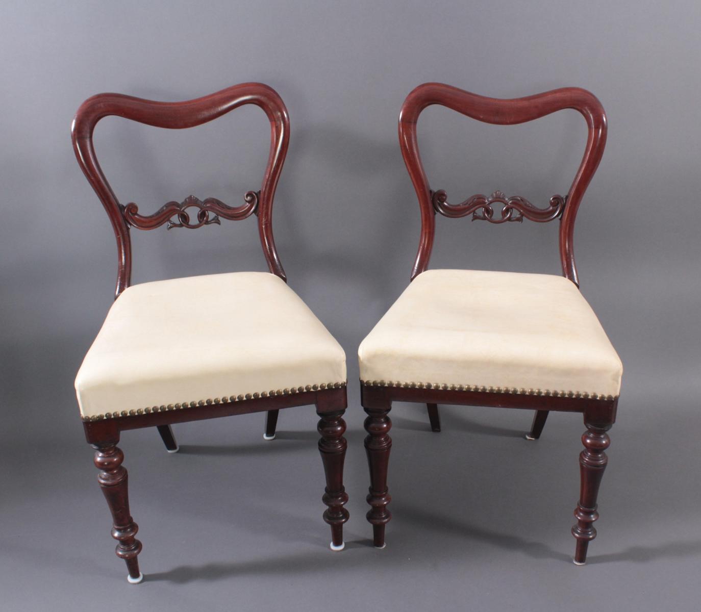 Paar englische Stühle, Stilmöbel