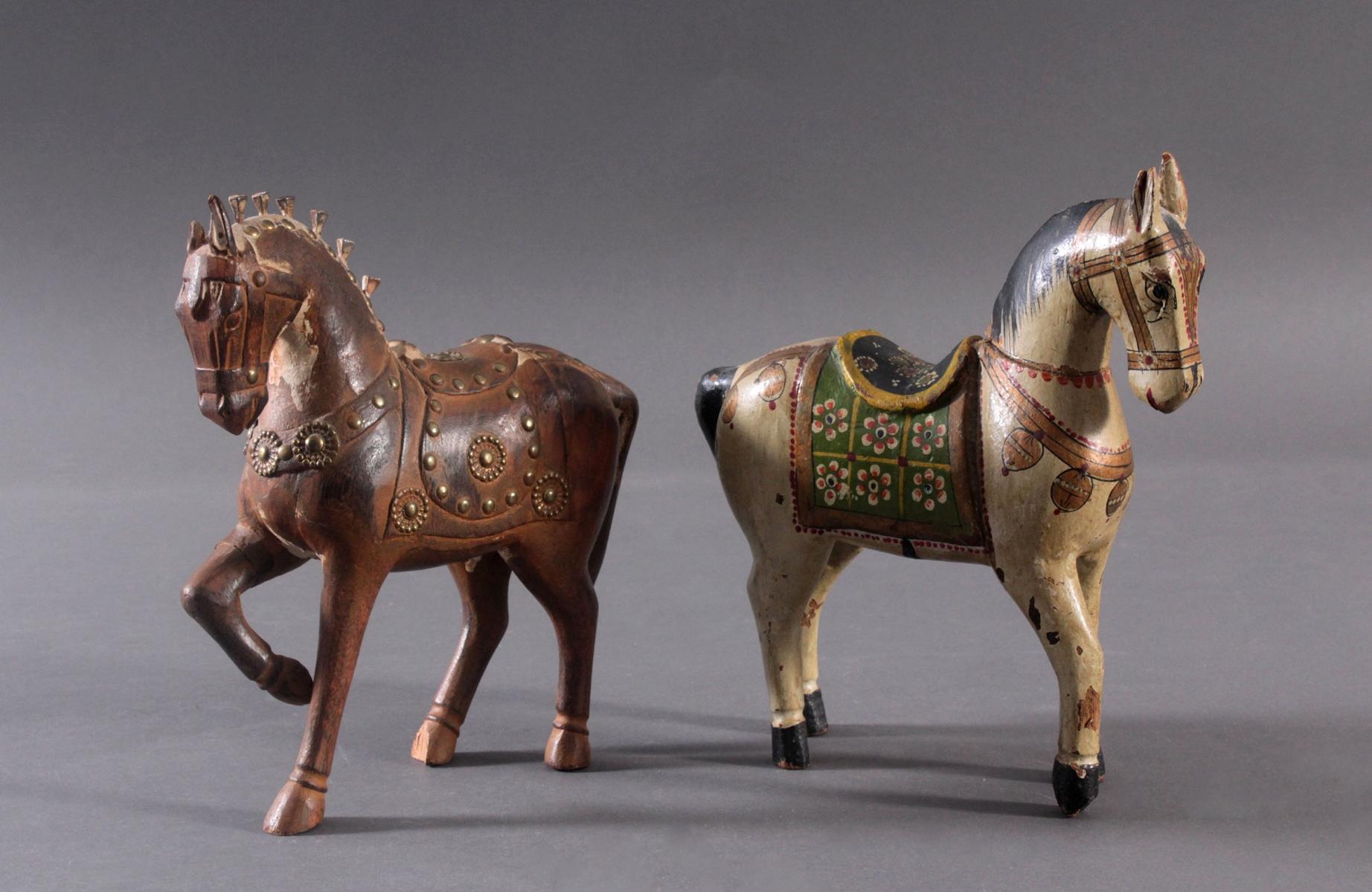 2 Pferdeskulpturen aus Holz 1. Hälfte 20. Jh.