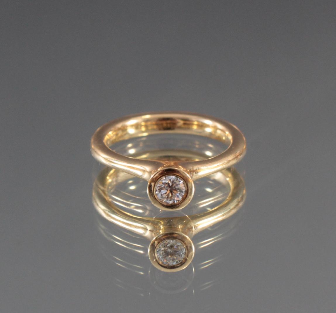 Damenring aus 18 Karat Gelbgold mit Diamant