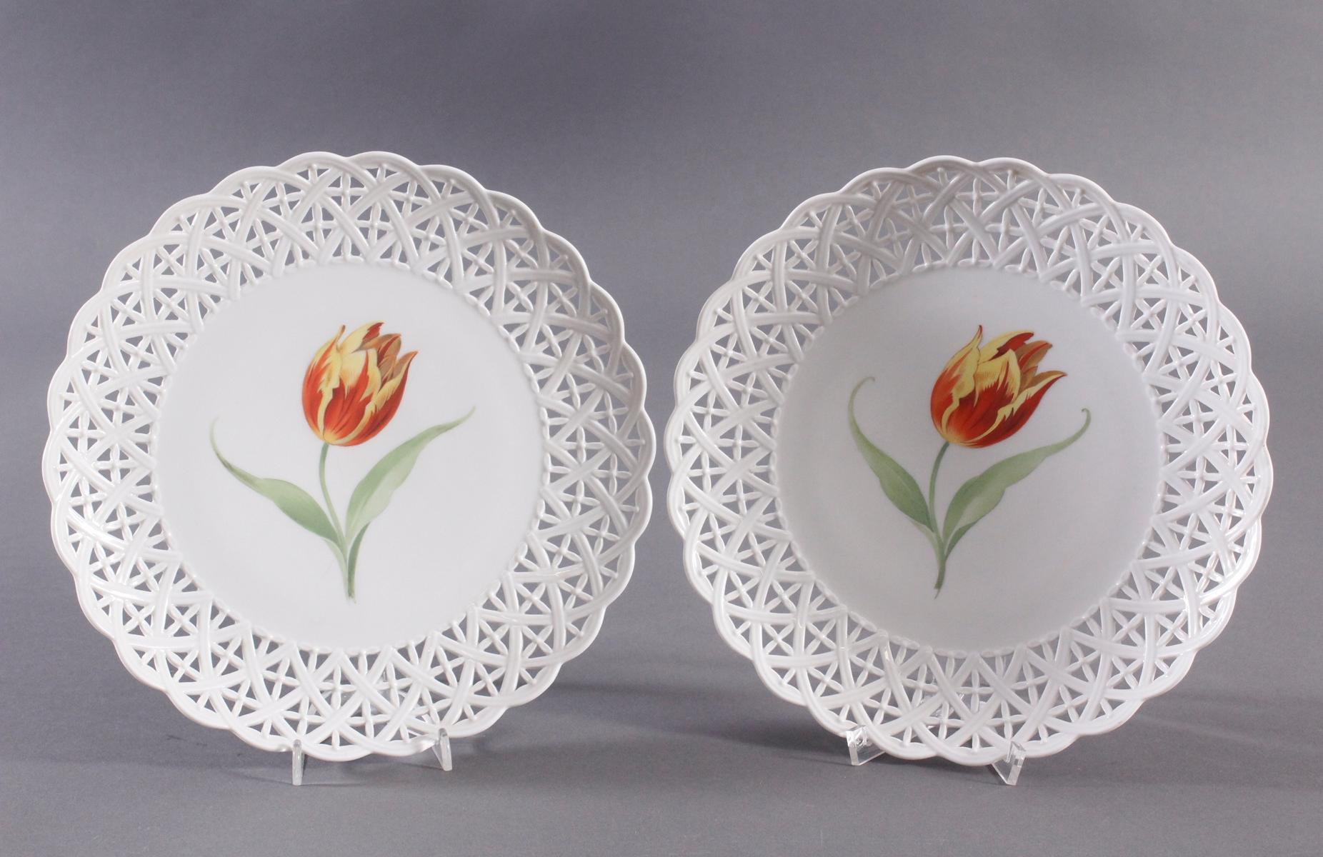 Paar Teller Höchst mit feiner Tulpenbemalung
