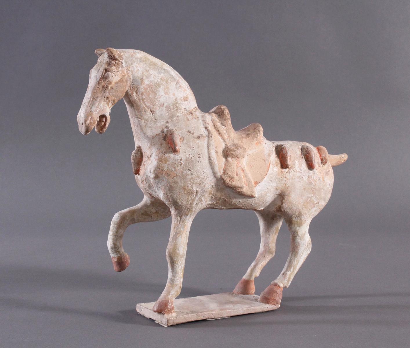 China Tang-Dynastie, Pferd aus gebranntem Ton