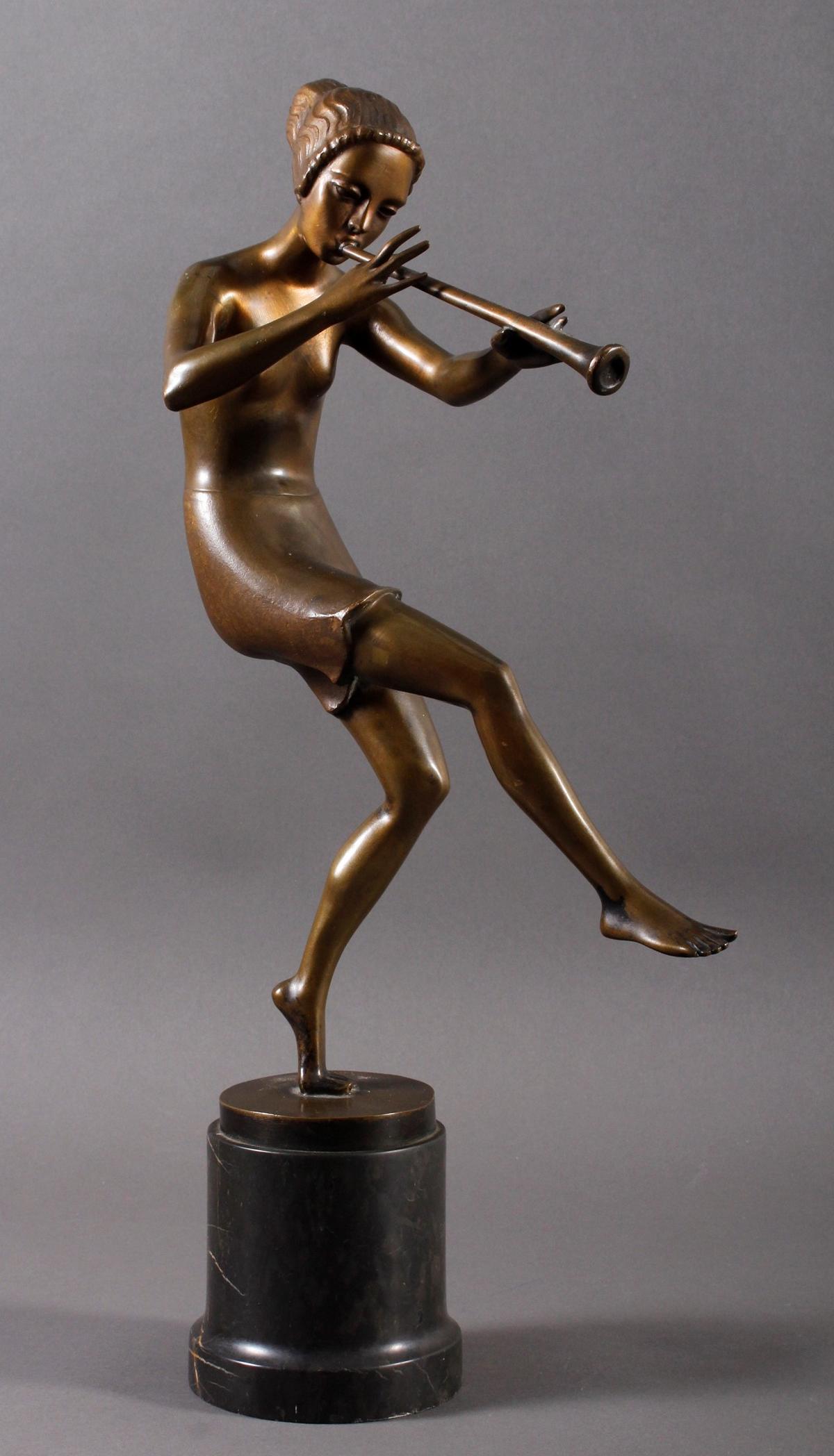 Tanzende Flötenspielerin, Bronze, Deutschland  um 1920