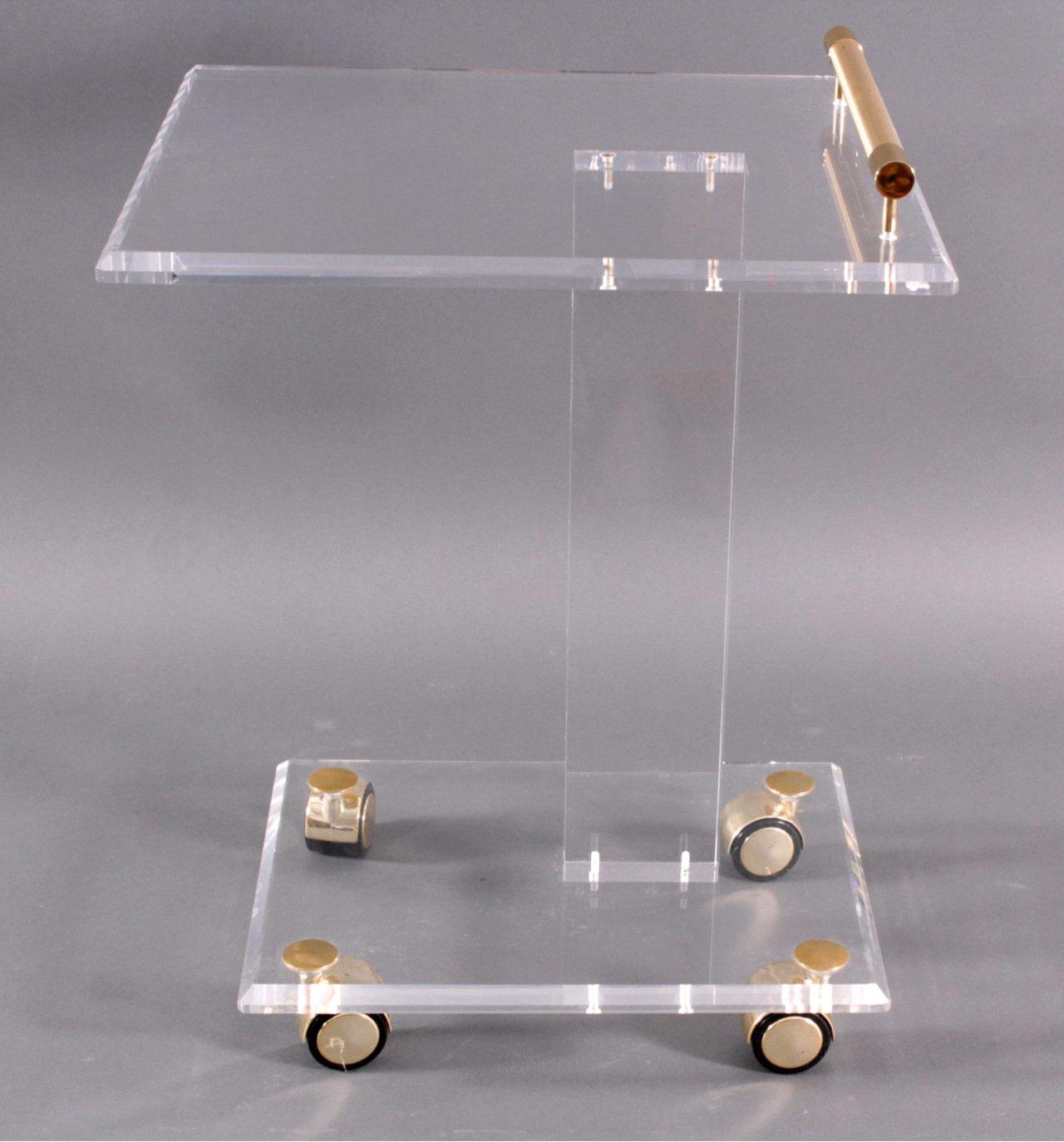 Beistelltisch aus plexiglas auf rollen badisches for Beistelltisch plexiglas