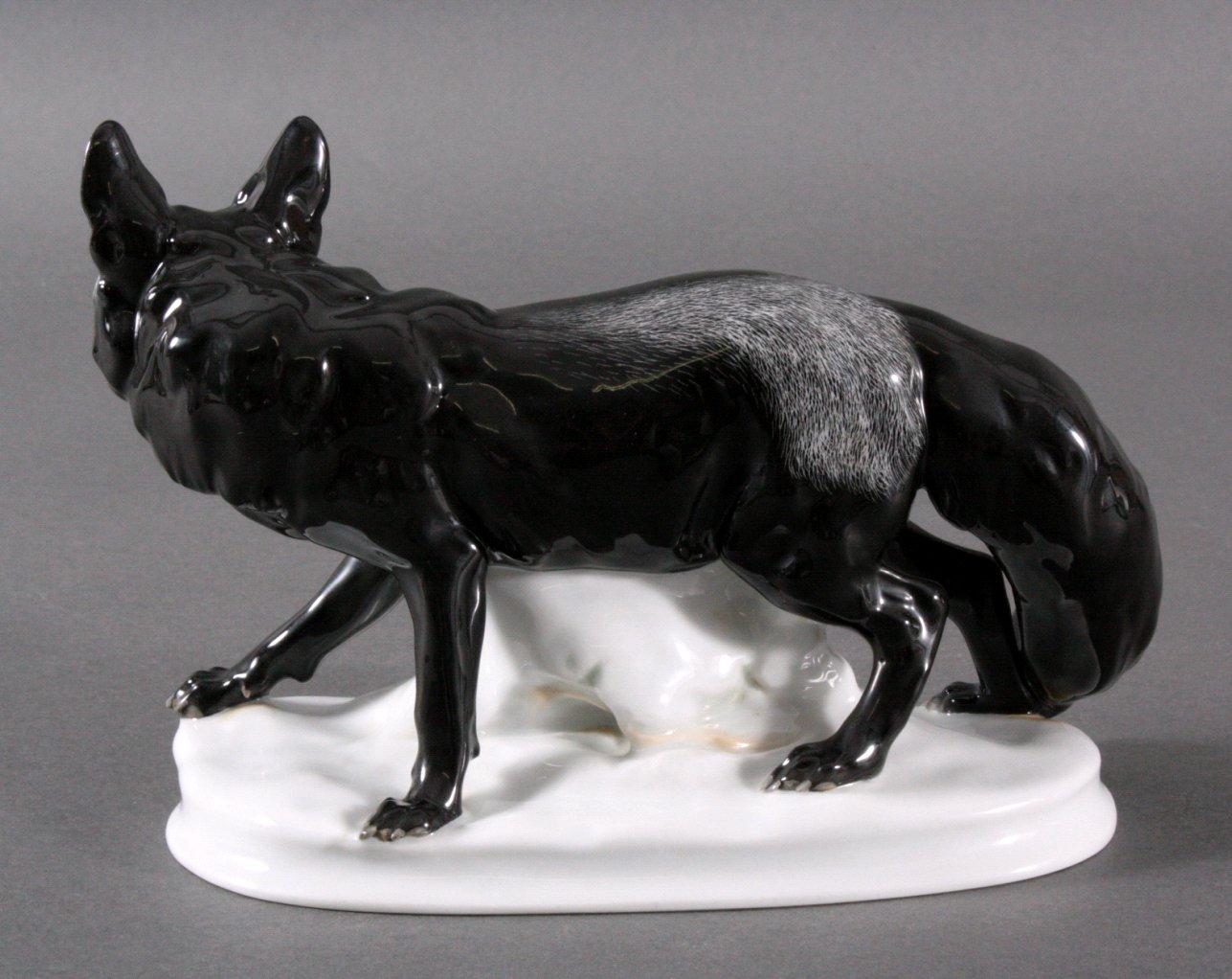 Porzellanfigur Schwarzer Polarfuchs, um 1930-2