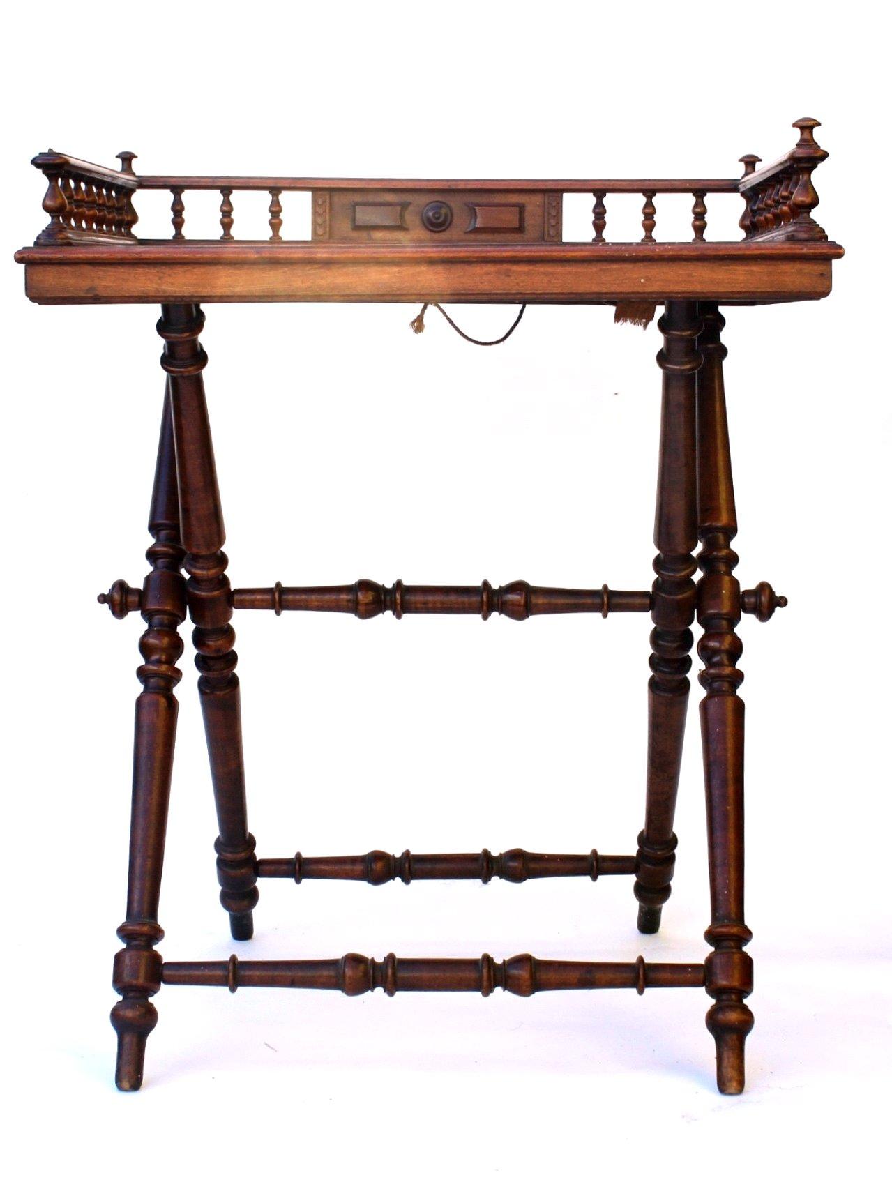 Gründerzeit Tisch-Tablett, um 1880-2