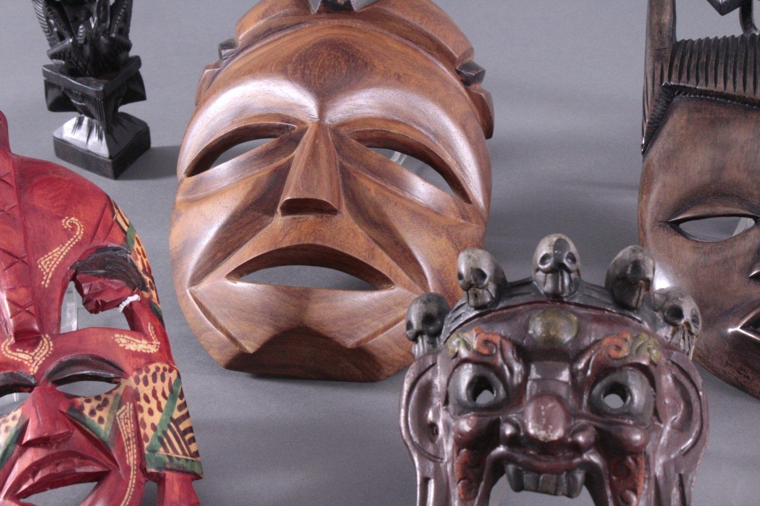 Konvolut Figuren und Masken-1