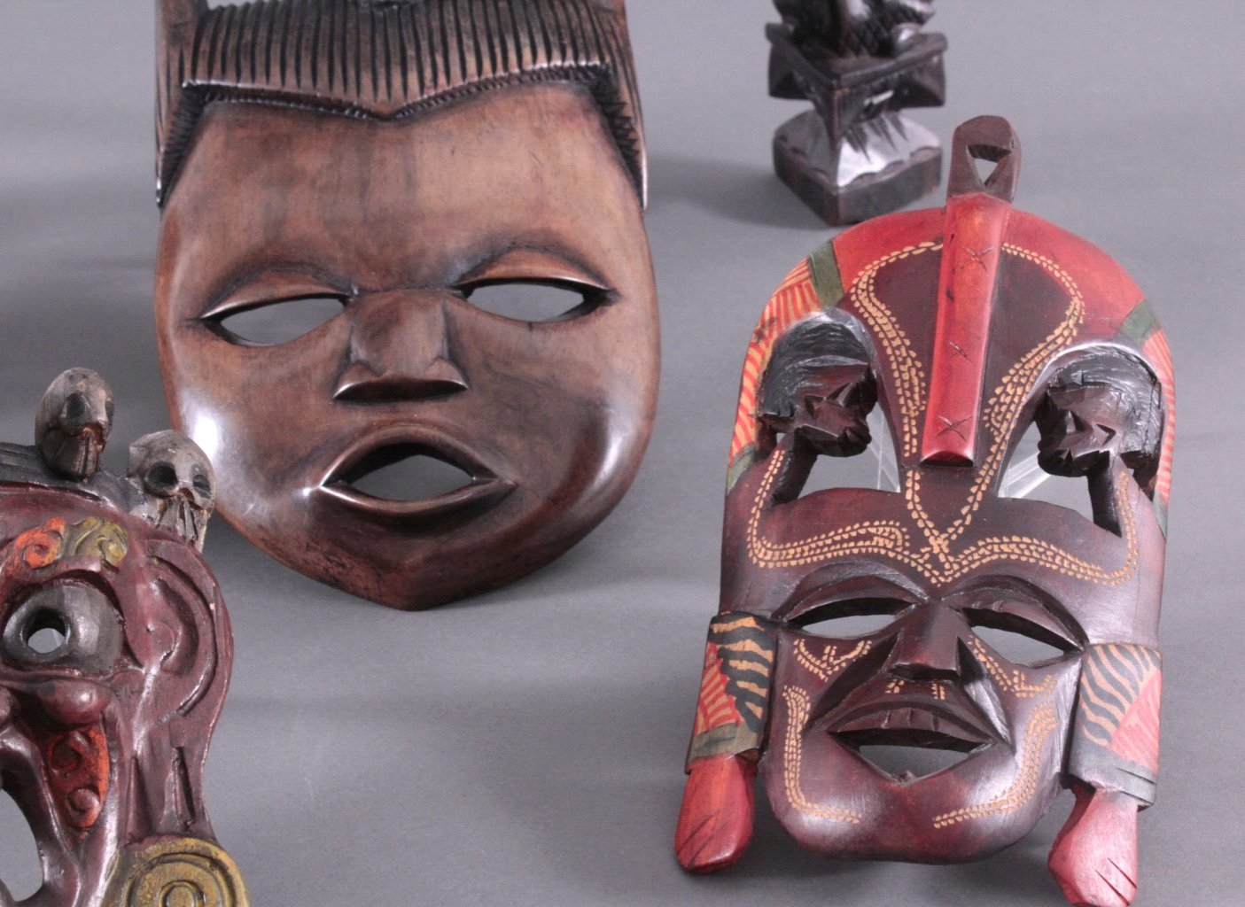 Konvolut Figuren und Masken-2