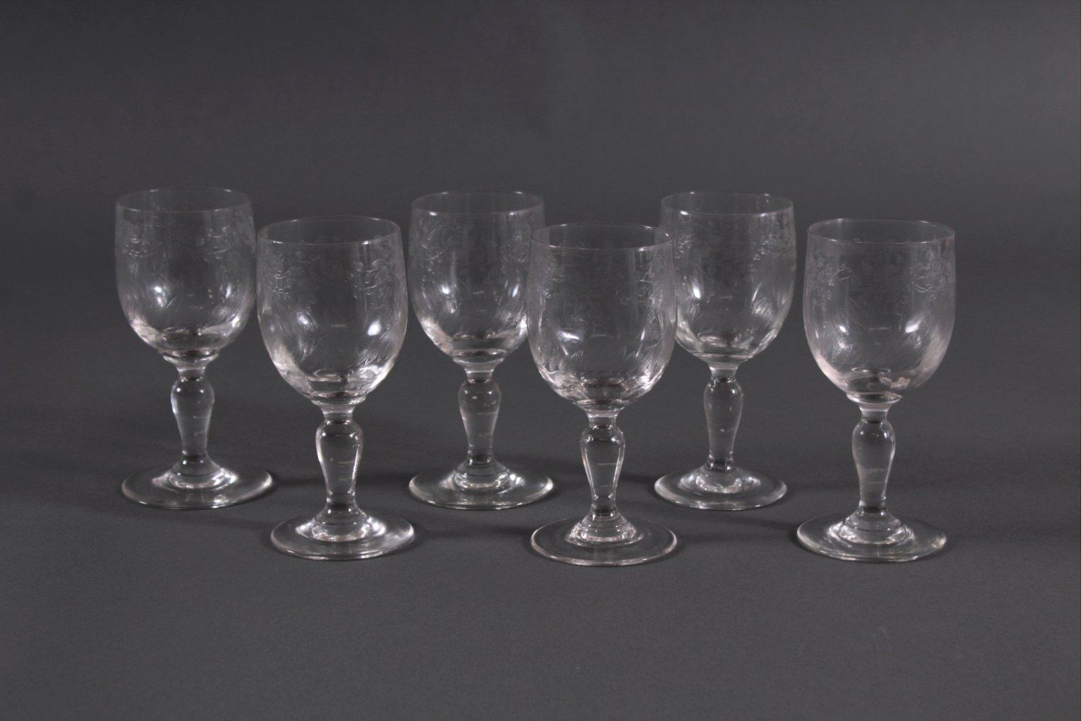 Sechs Weingläser um 1900