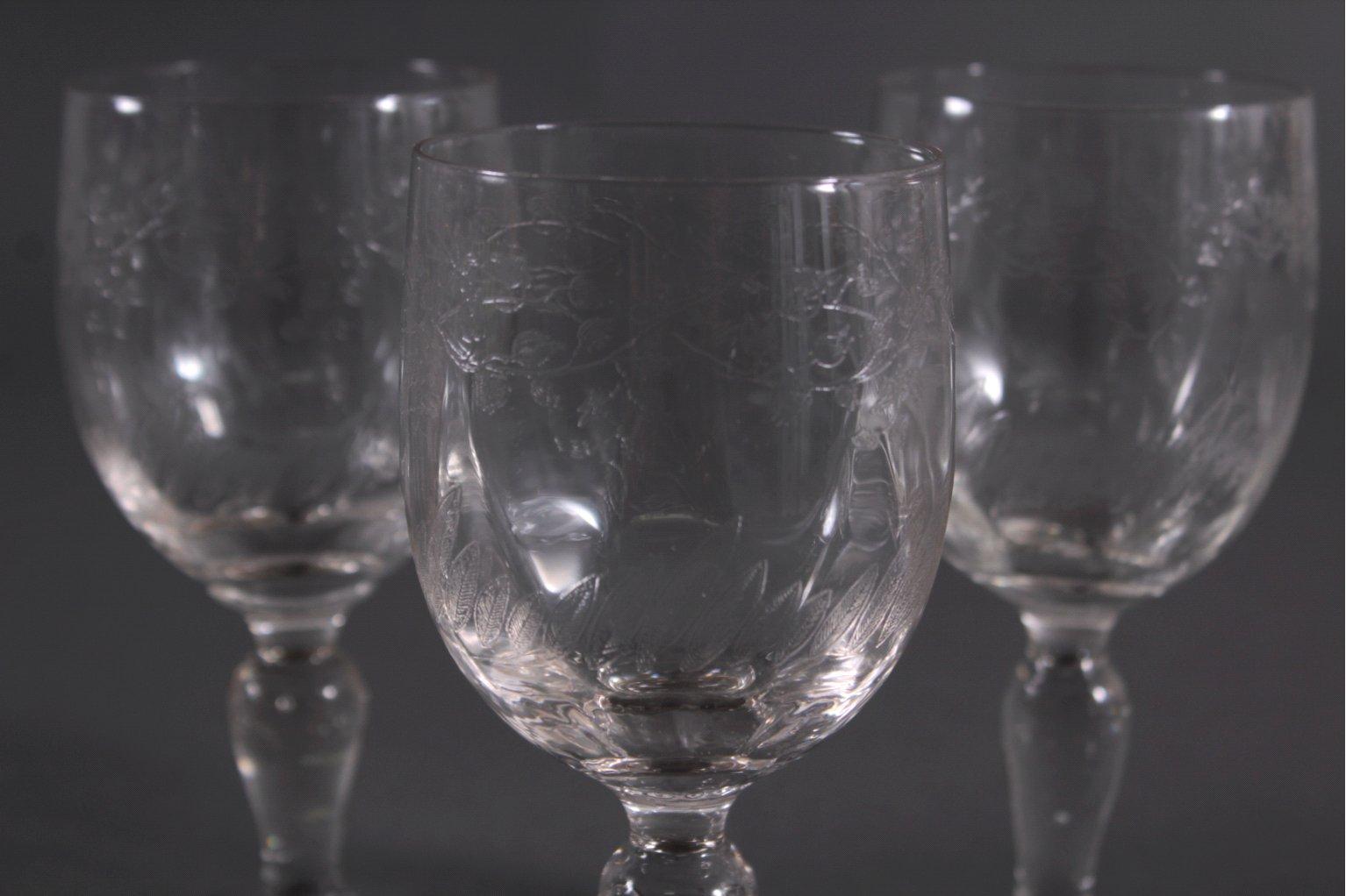 Sechs Weingläser um 1900-1