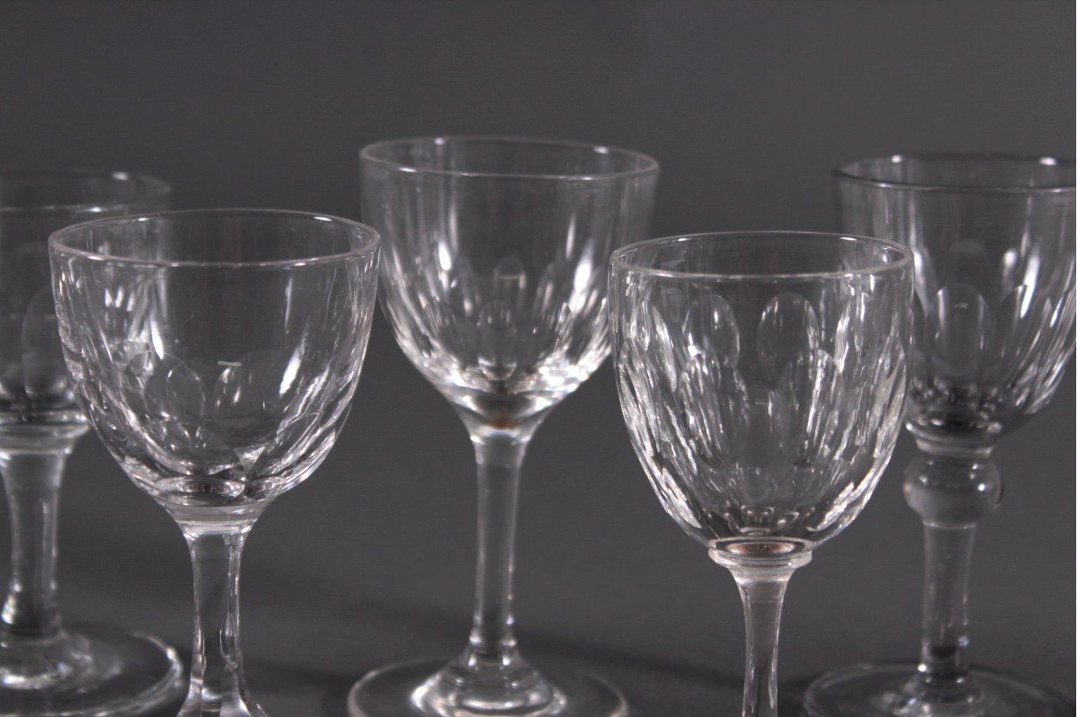 Acht diverse Gläser, 19./20. Jh.-2