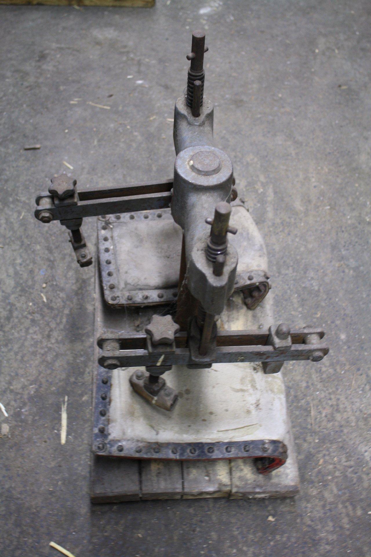 Lederpressmaschine-1
