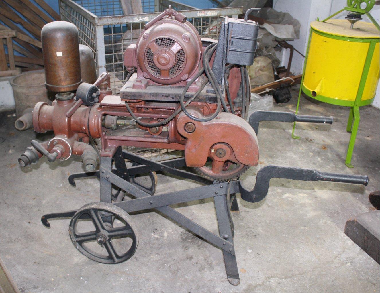 Pumpe mit Elektroantrieb der Marke Elin