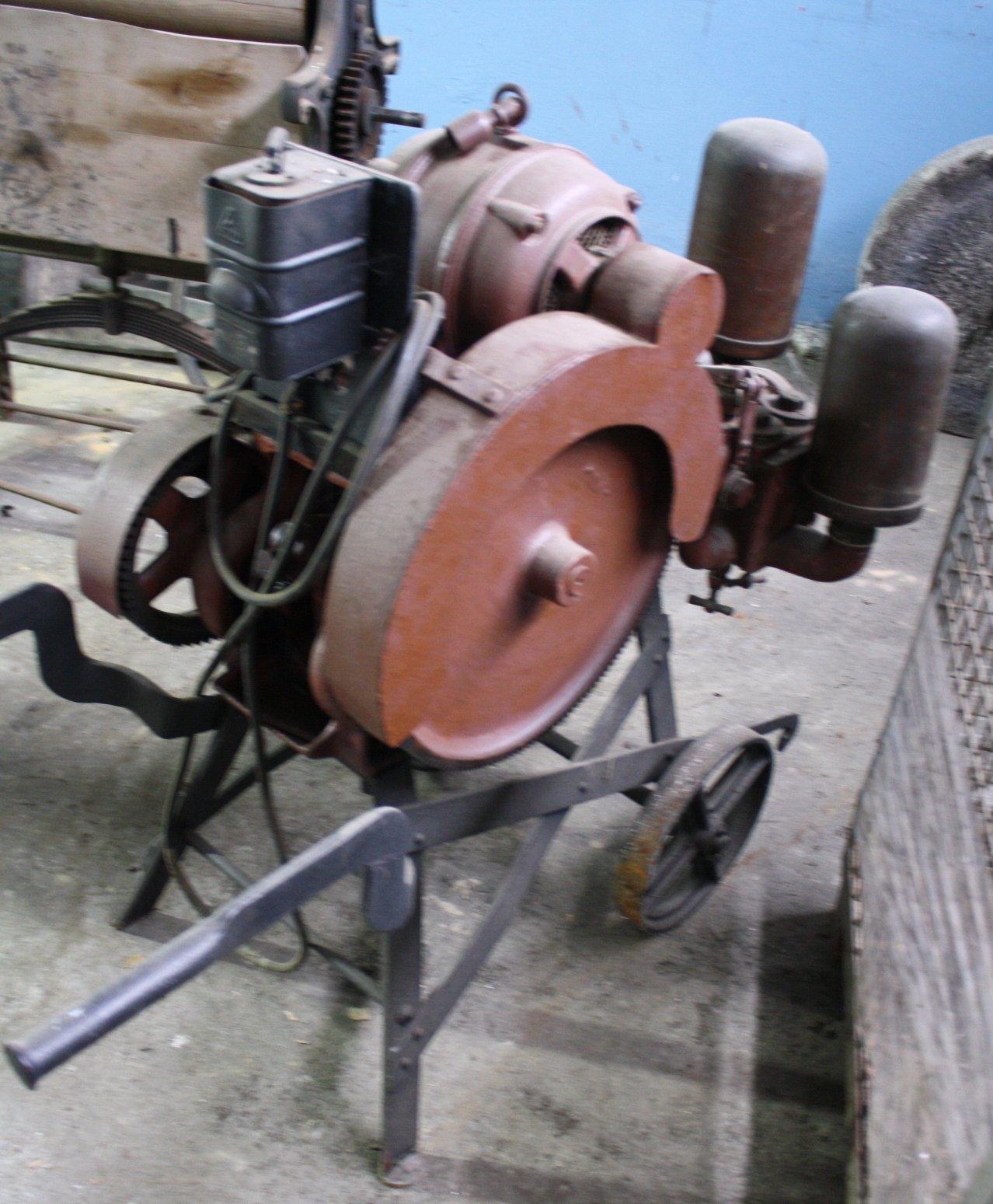 Pumpe mit Elektroantrieb der Marke Elin-1