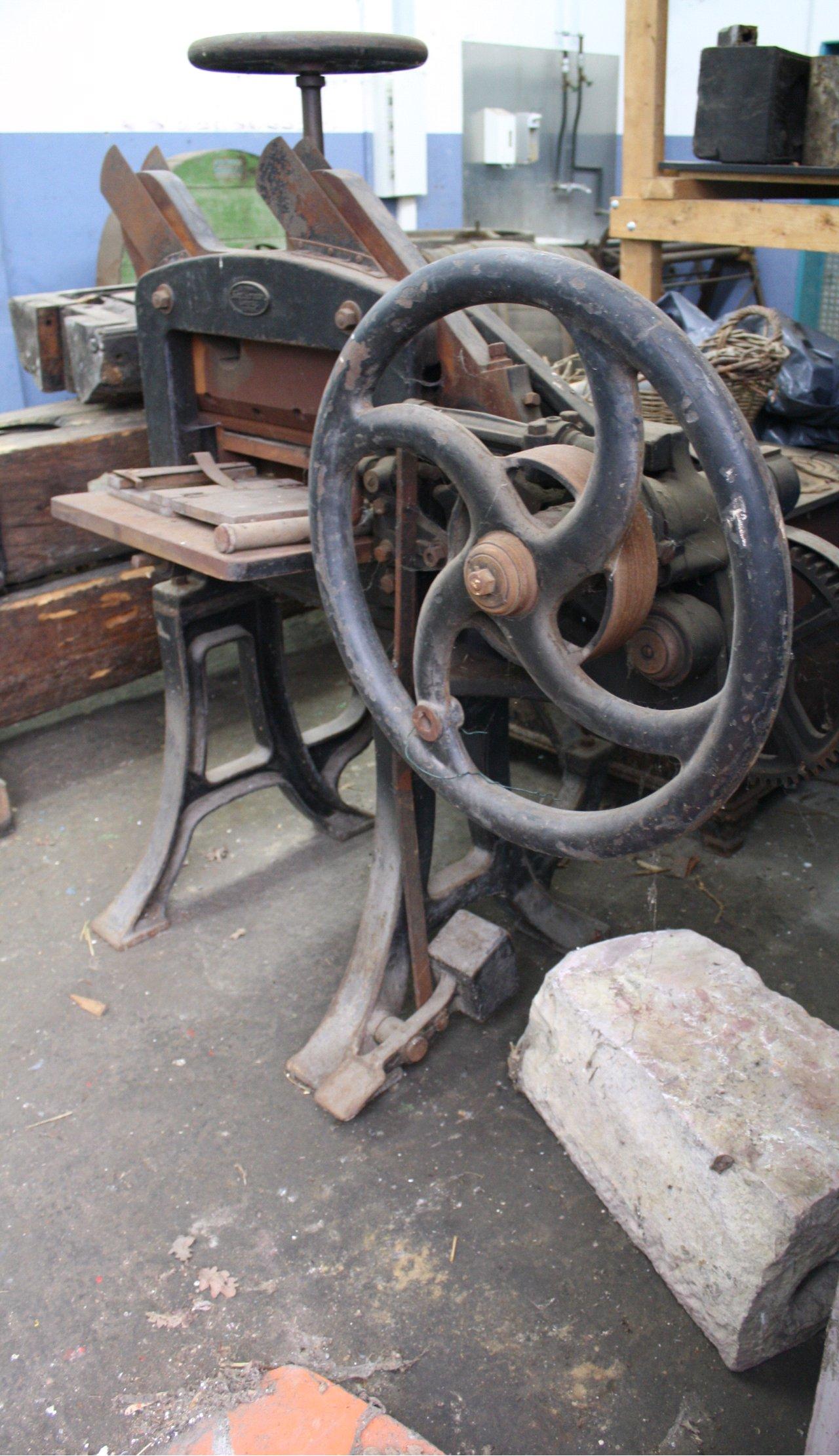 Blechschneidemaschine Marke Karl Krause Leipzig-2
