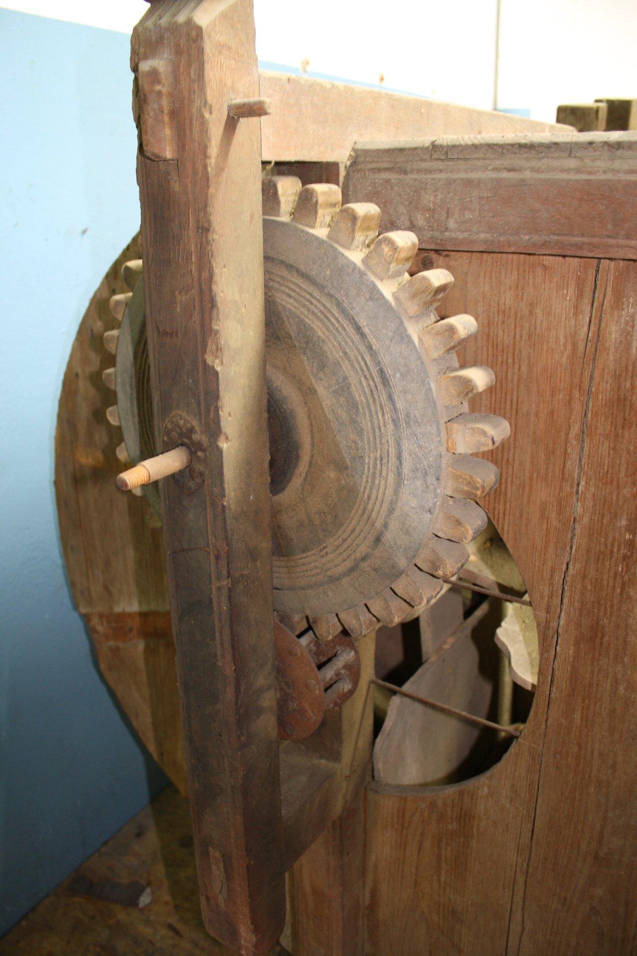 Dreschmaschine aus Holz-1