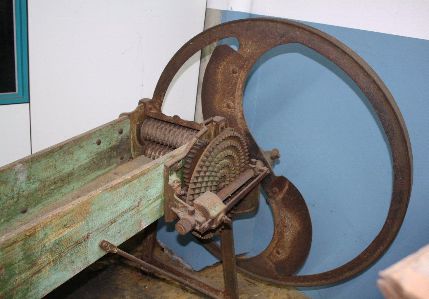 Landwirtschaftliche Maschine mit gußeisernen Schwungrad-1