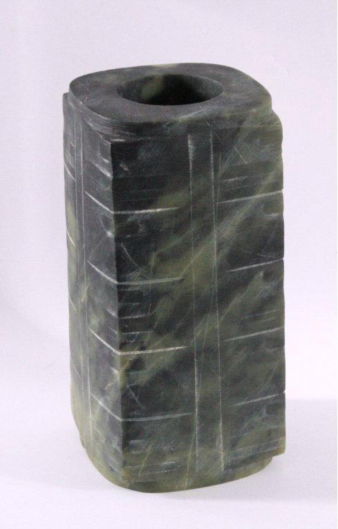 Jade Zierobjek aus grüner Jade-1