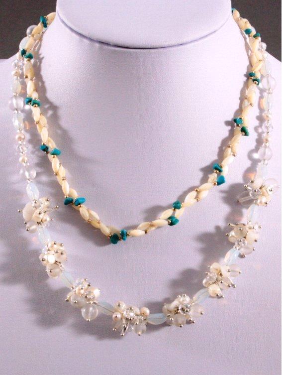 Mondstein Halsketten