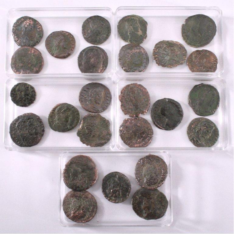 25 römische Münzen