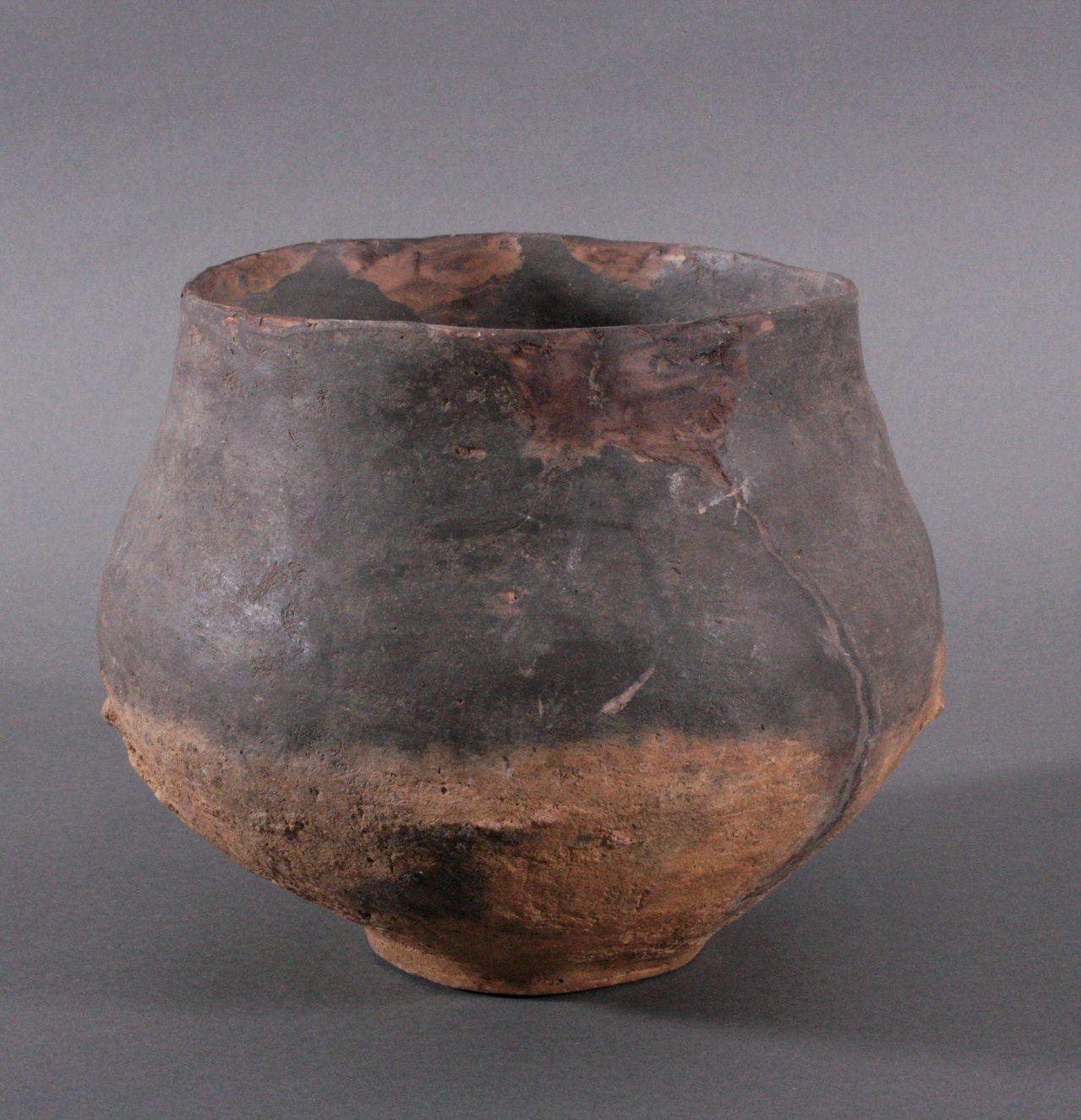 Gefäß der Lausitzer Kultur (900-500 v. Chr.)-2