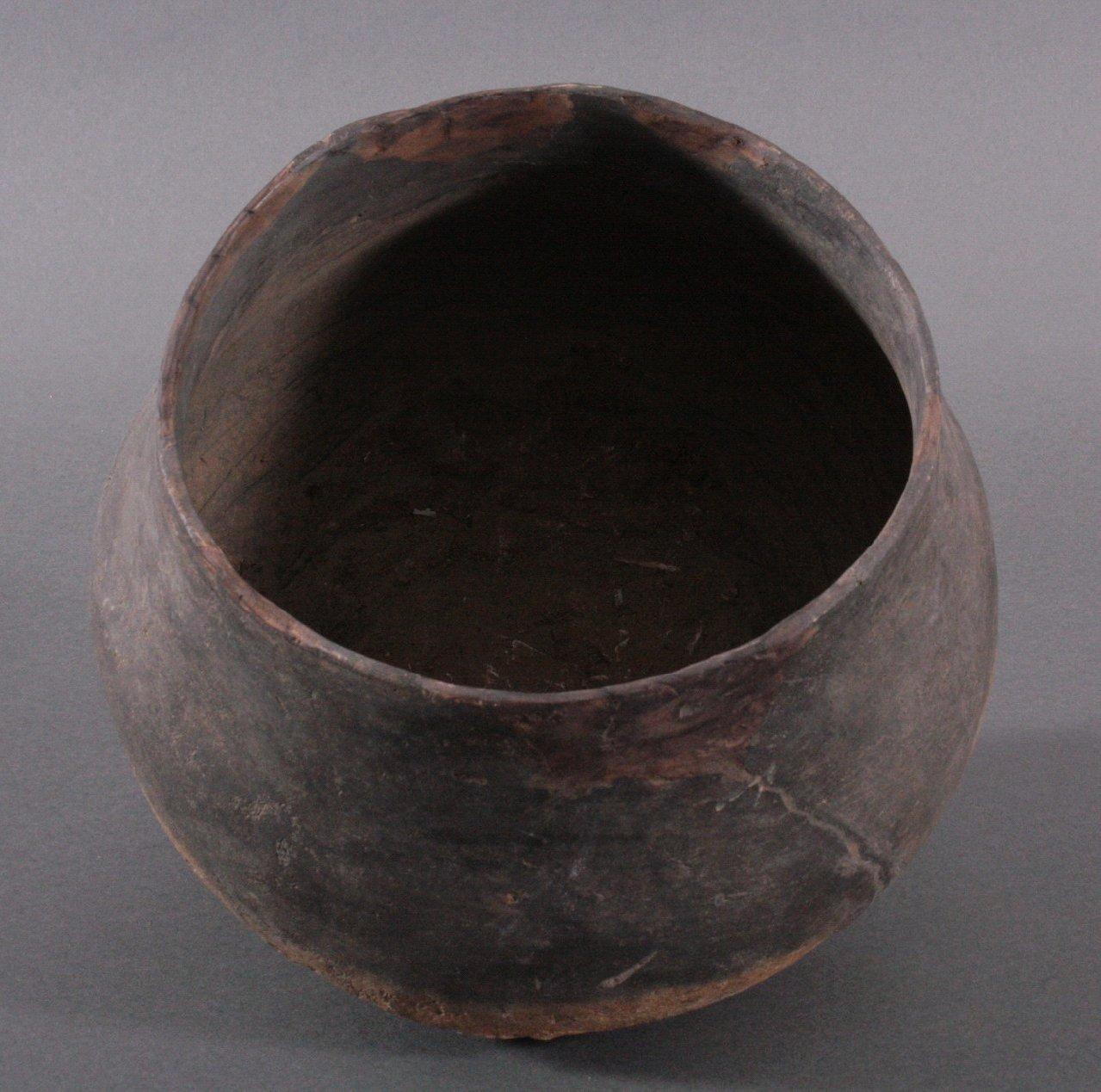 Gefäß der Lausitzer Kultur (900-500 v. Chr.)-3