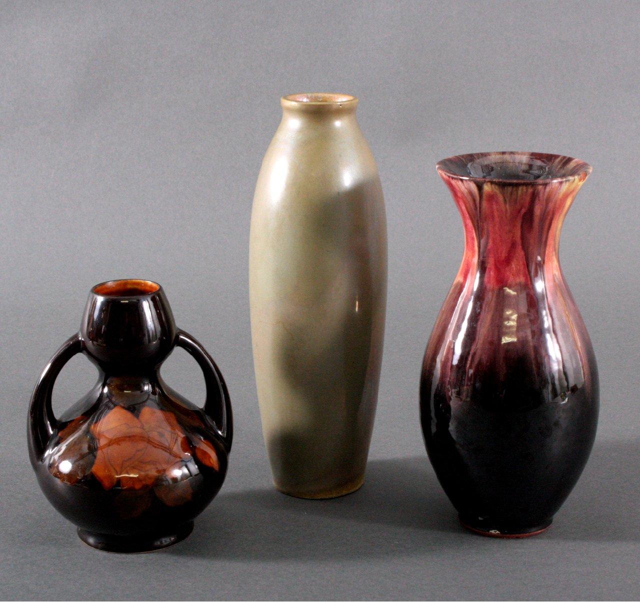 drei jugendstil keramik vasen badisches auktionshaus. Black Bedroom Furniture Sets. Home Design Ideas