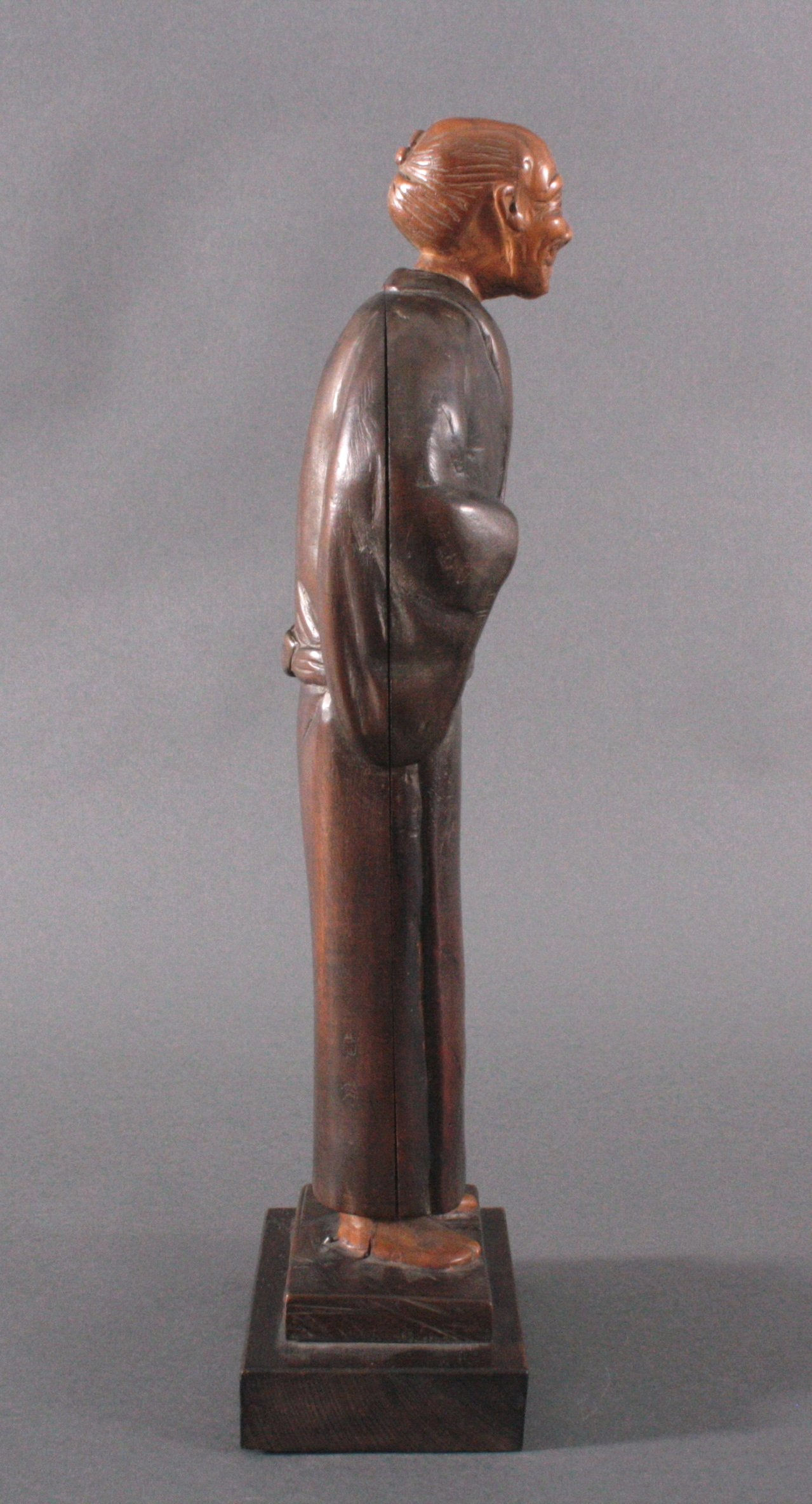 "Holzfigur ""Gelehrter"", Japan um 1900-2"