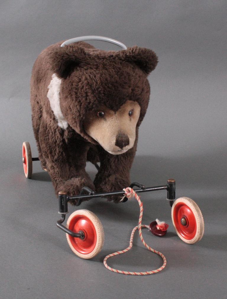 Steiff Bär auf Rollen aus den 50er Jahren