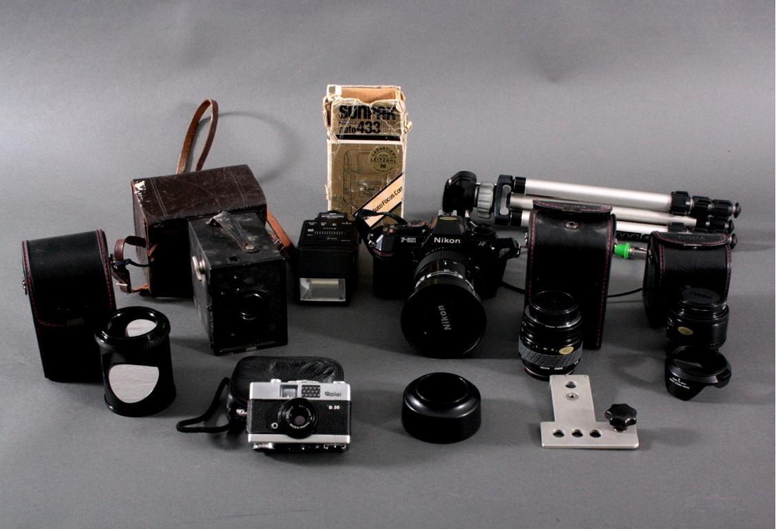 Konvolut Fotoaparate und Zubehör