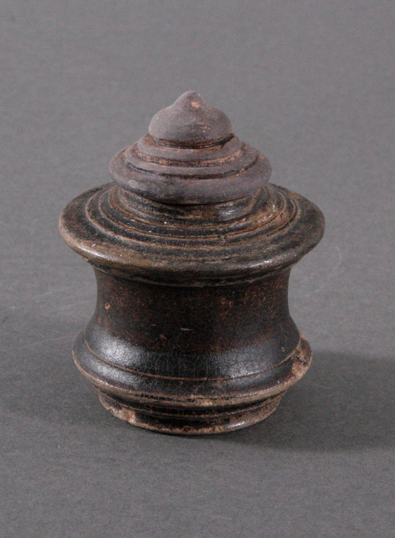 Kleines Deckelgefäß, Angkor-Periode 12./13. Jh.