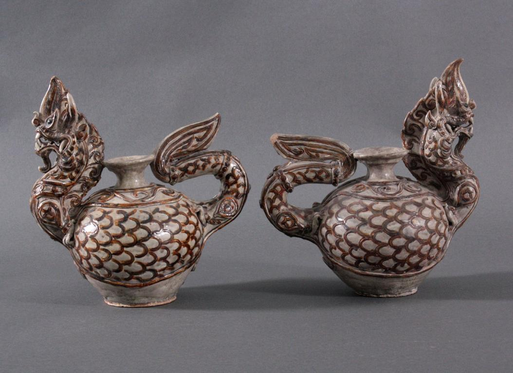 Paar Vorratsgefäße in Form von Drachen-1