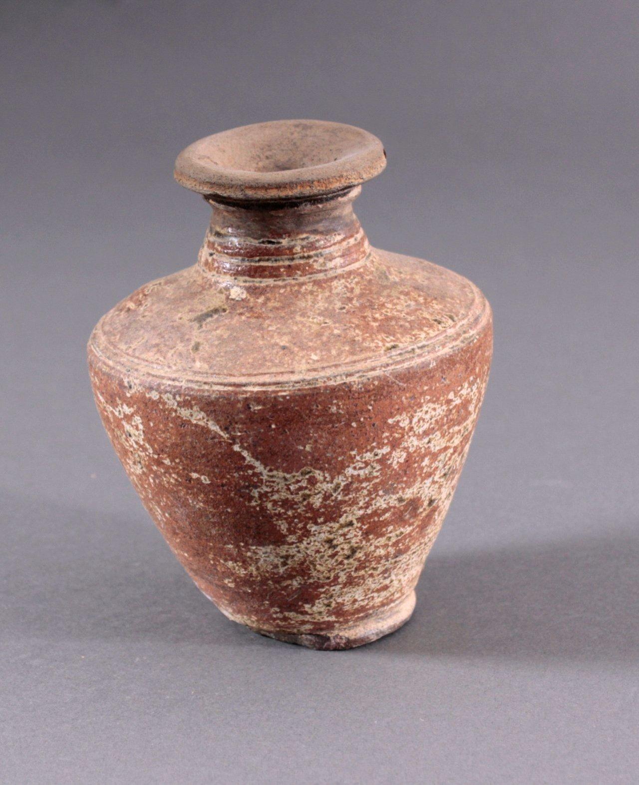 Kleine Balustervase, Angkor-Periode 12./13. Jh.
