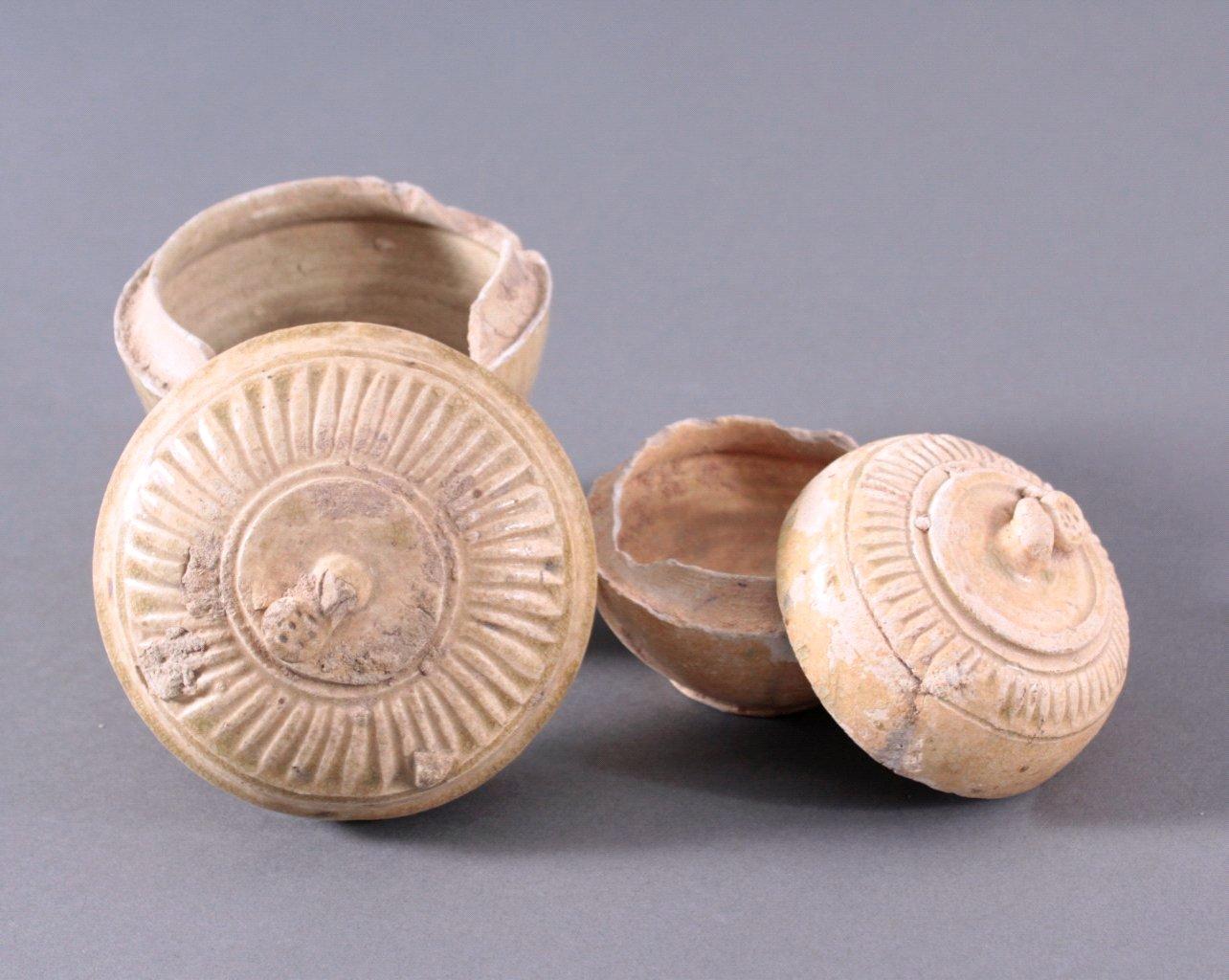 2 Deckelgefäße, Angkor-Periode 12./13. Jahrhundert-1