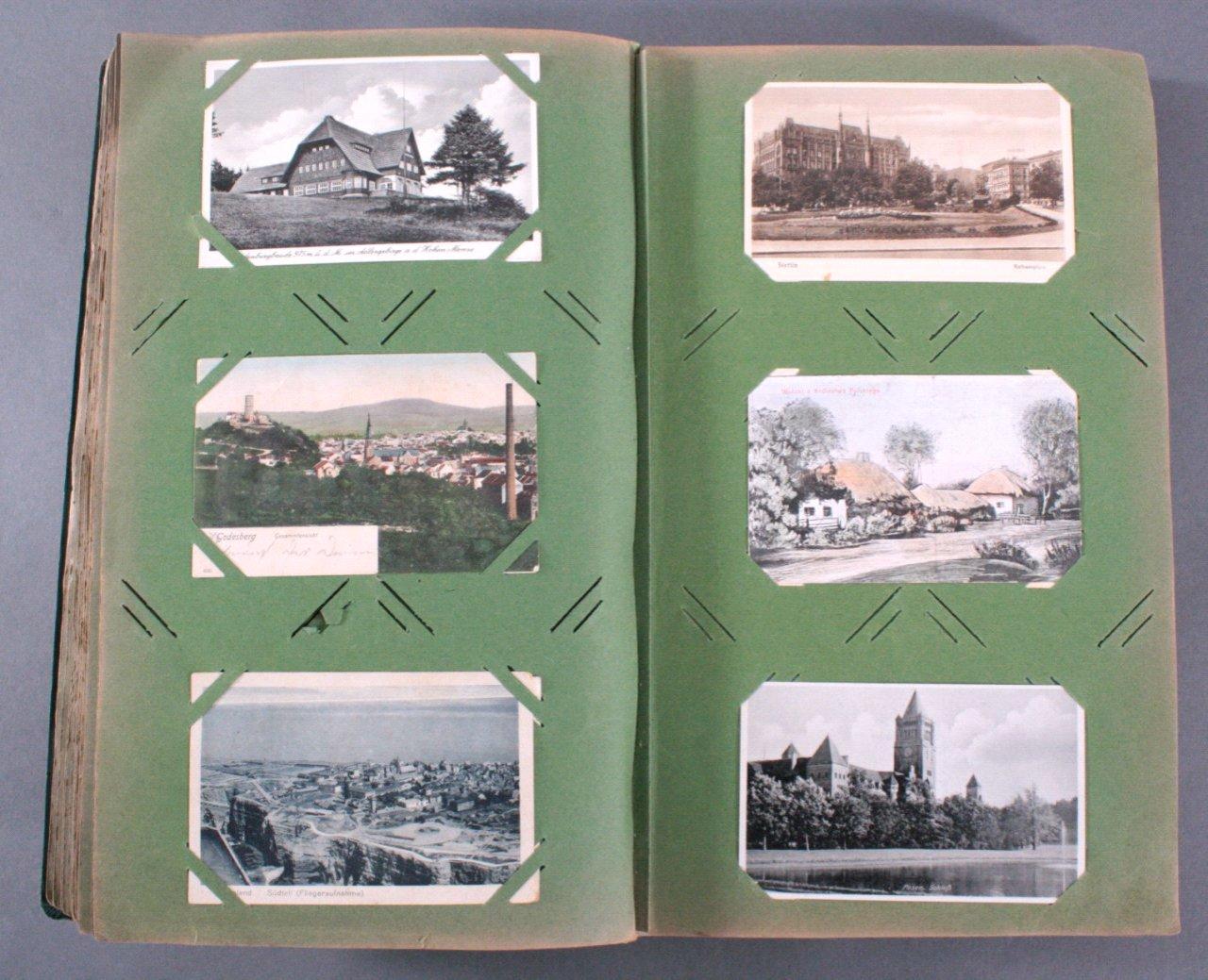 Prall gefülltes Album mit ca. 390 Postkarten-5