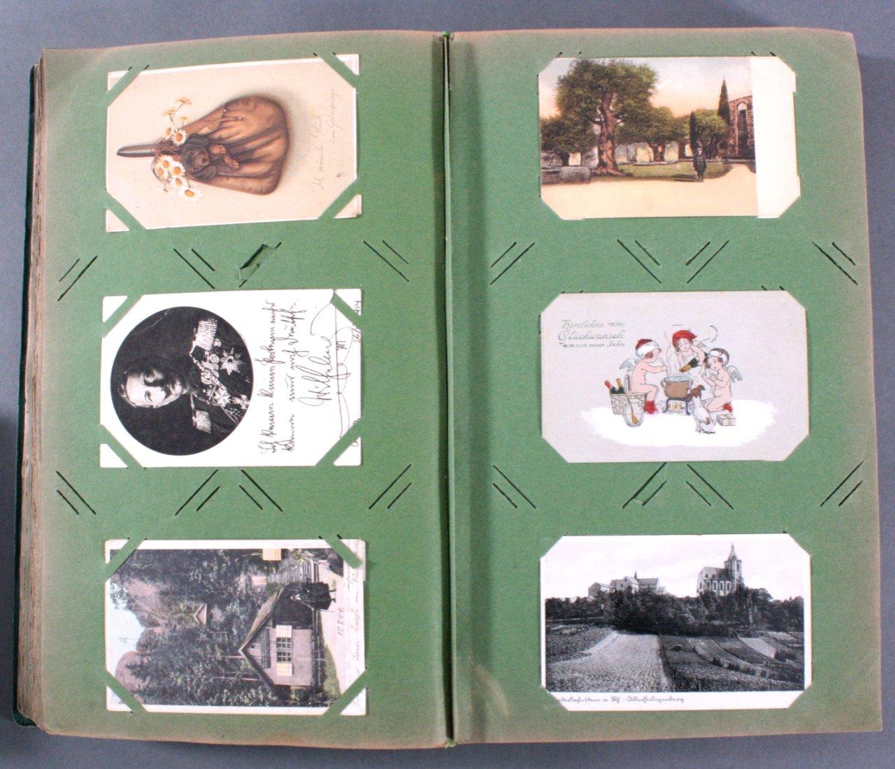 Prall gefülltes Album mit ca. 390 Postkarten-6