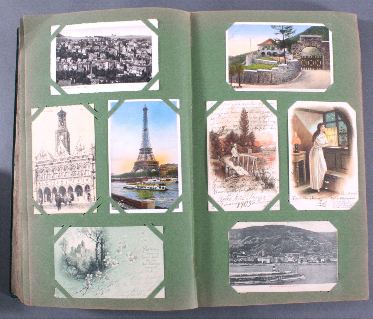 Prall gefülltes Album mit ca. 390 Postkarten-8