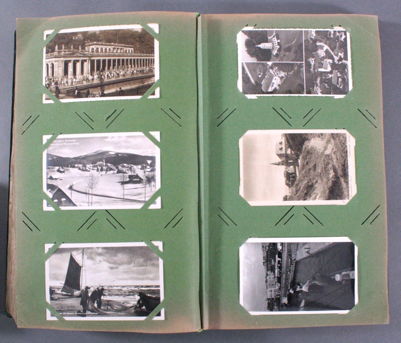 Prall gefülltes Album mit ca. 390 Postkarten-10
