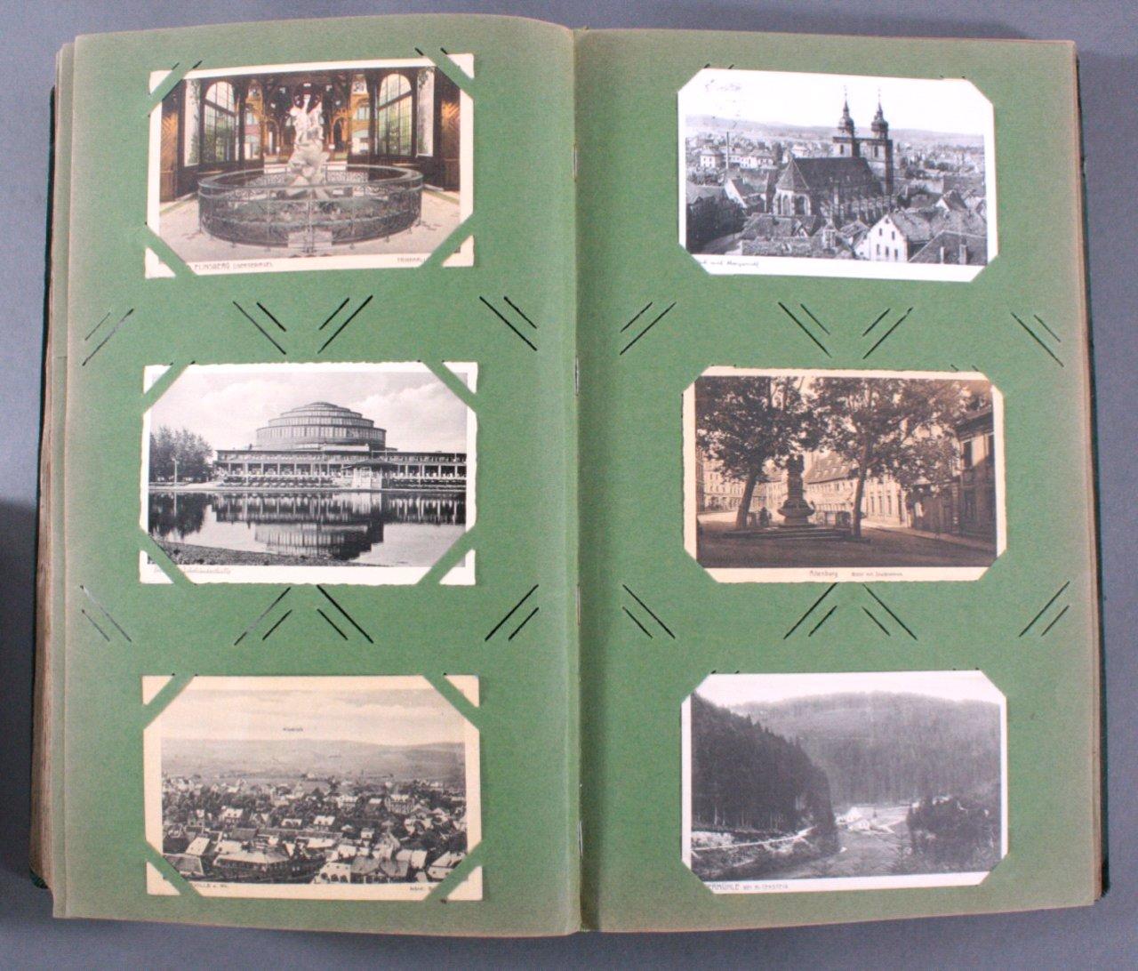 Prall gefülltes Album mit ca. 390 Postkarten-12