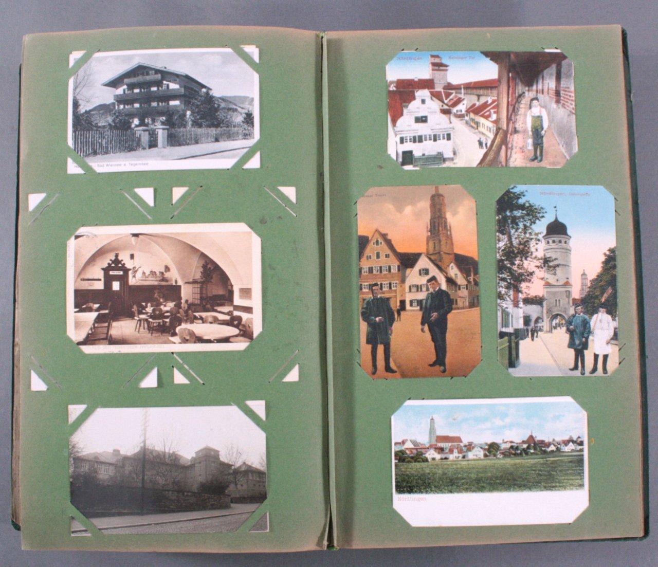 Prall gefülltes Album mit ca. 390 Postkarten-15