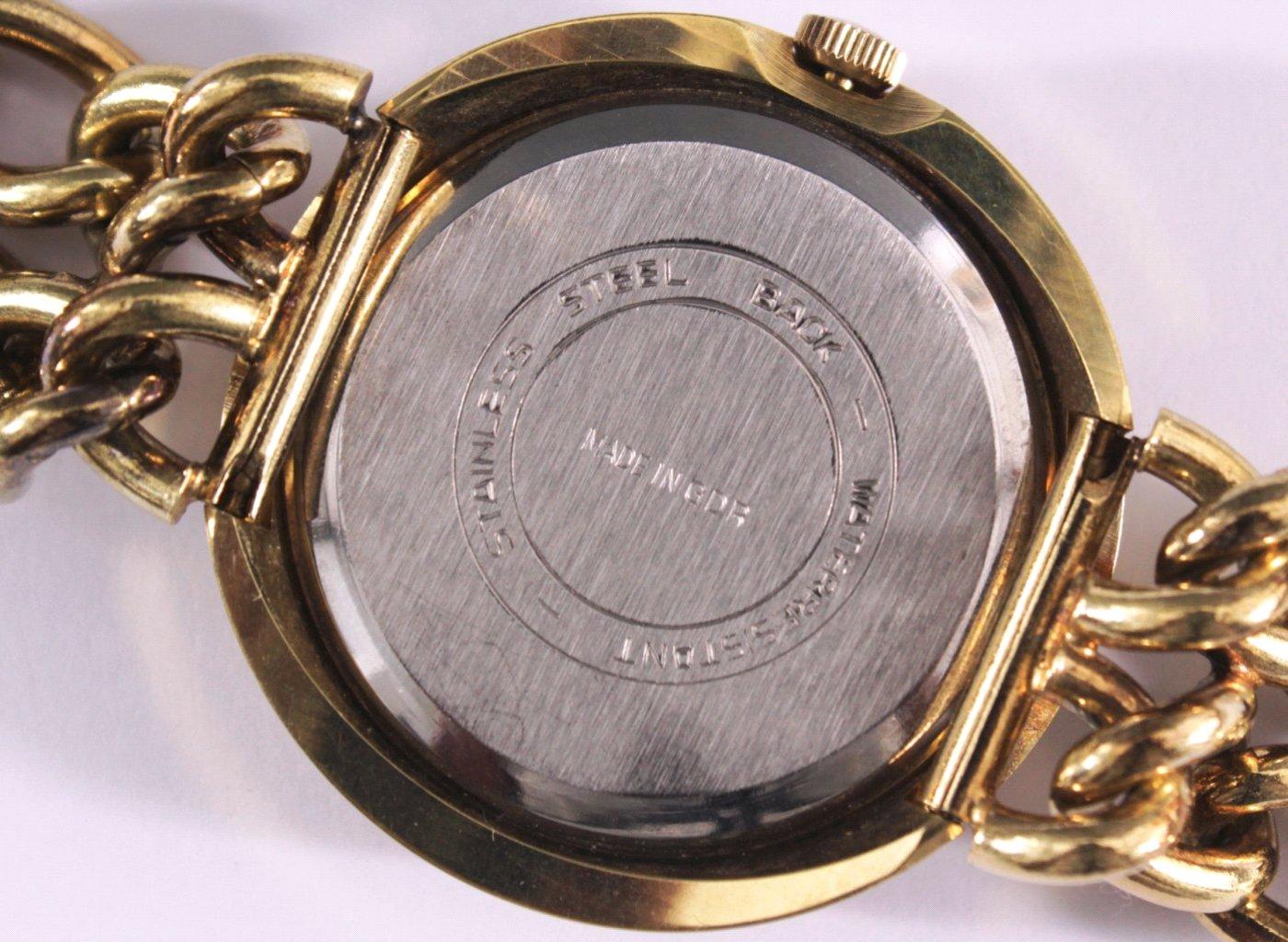 glash tte armbanduhr aus den 70er jahren vintage badisches auktionshaus. Black Bedroom Furniture Sets. Home Design Ideas