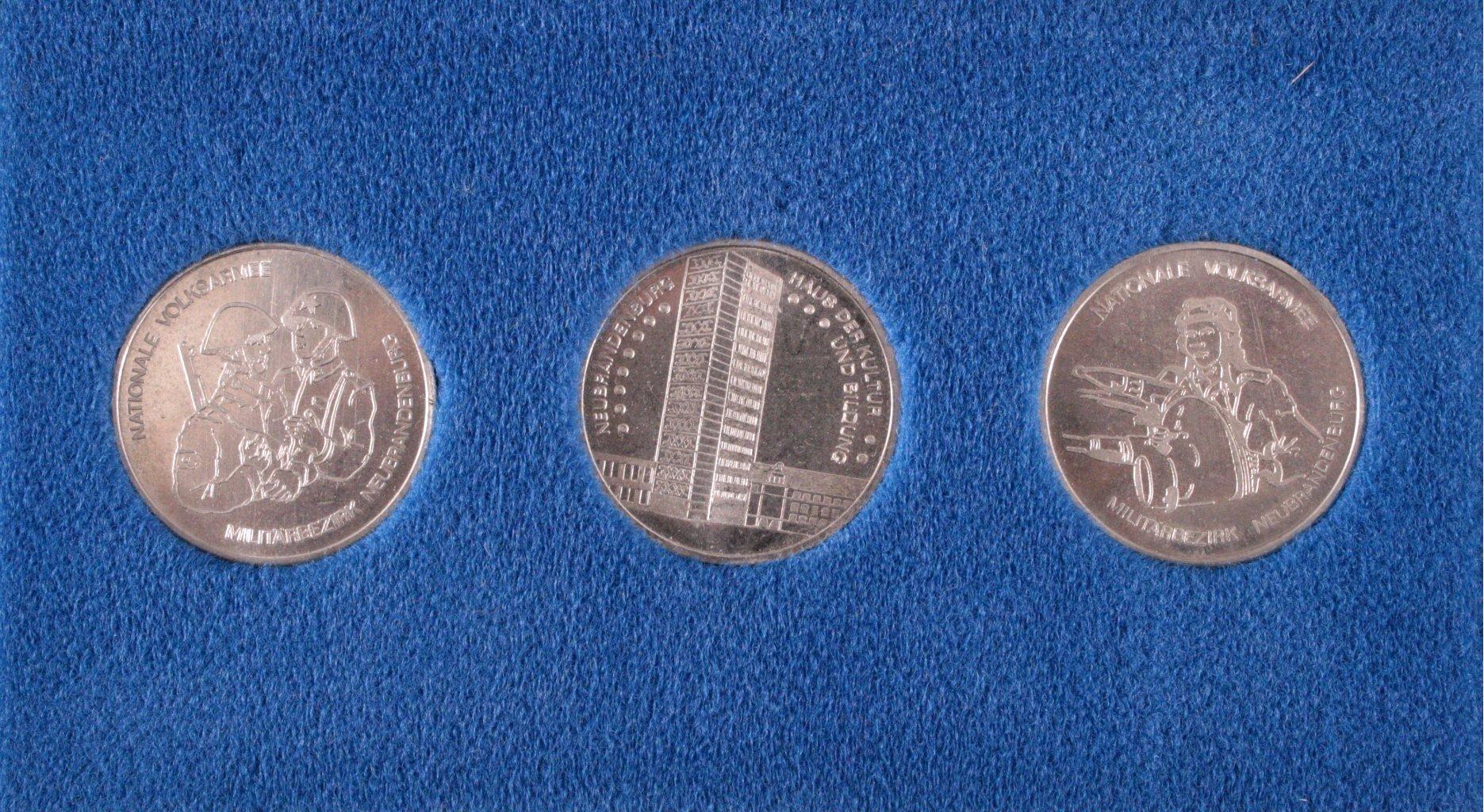 Medaillen NVA Militärbezirk Neubrandenburg