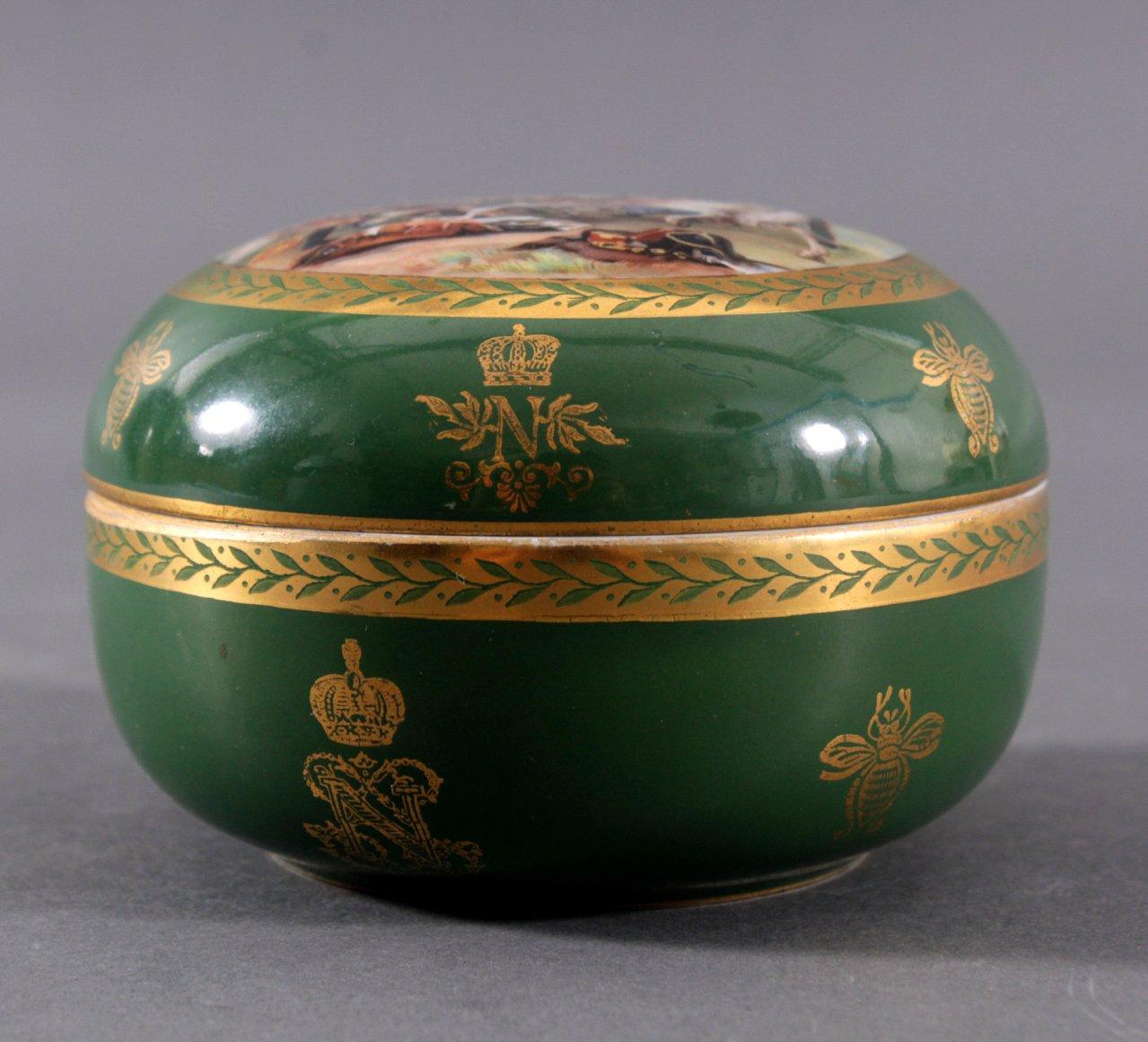 Französische Porzellan-Deckeldose Sevres, 19. Jh.-1