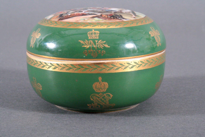 Französische Porzellan-Deckeldose Sevres, 19. Jh.-3