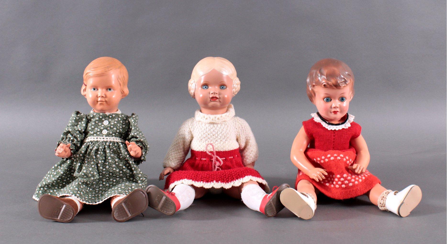 3 Puppen, dabei Schildkröt und Wernicke